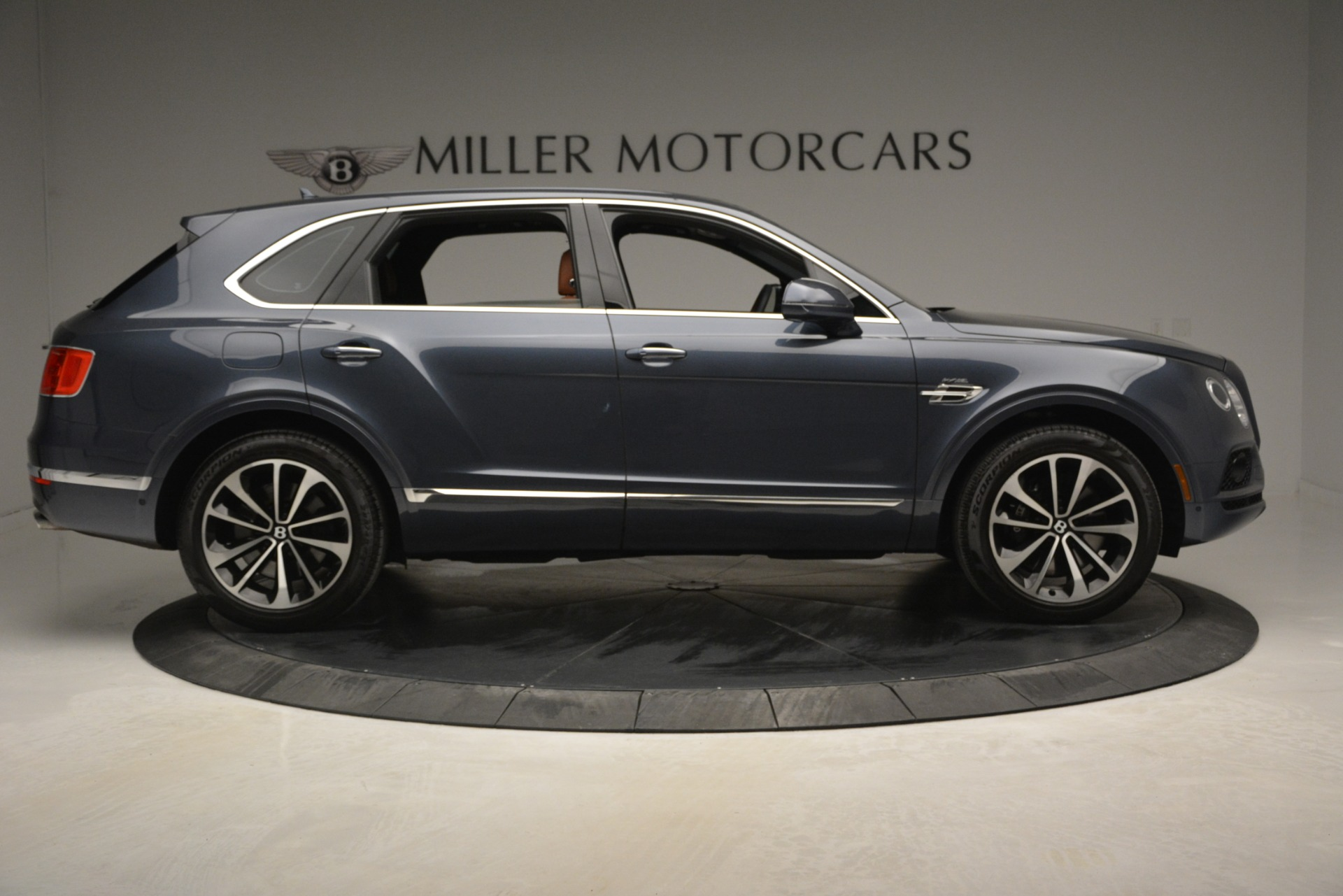 Used 2018 Bentley Bentayga Onyx For Sale In Westport, CT 1651_p9