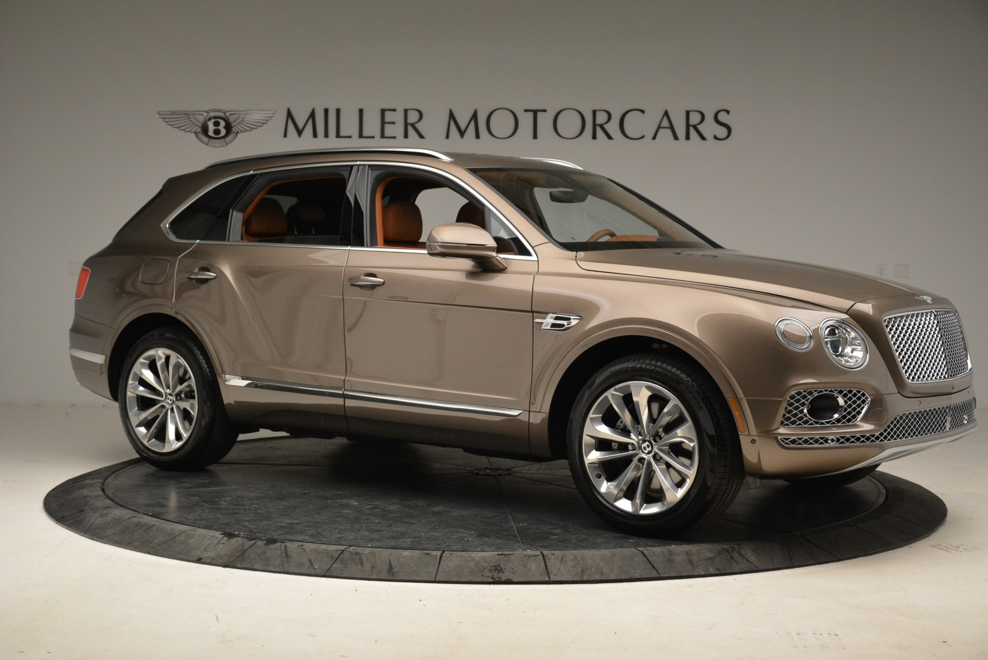 New 2018 Bentley Bentayga Signature For Sale In Westport, CT 1654_p10