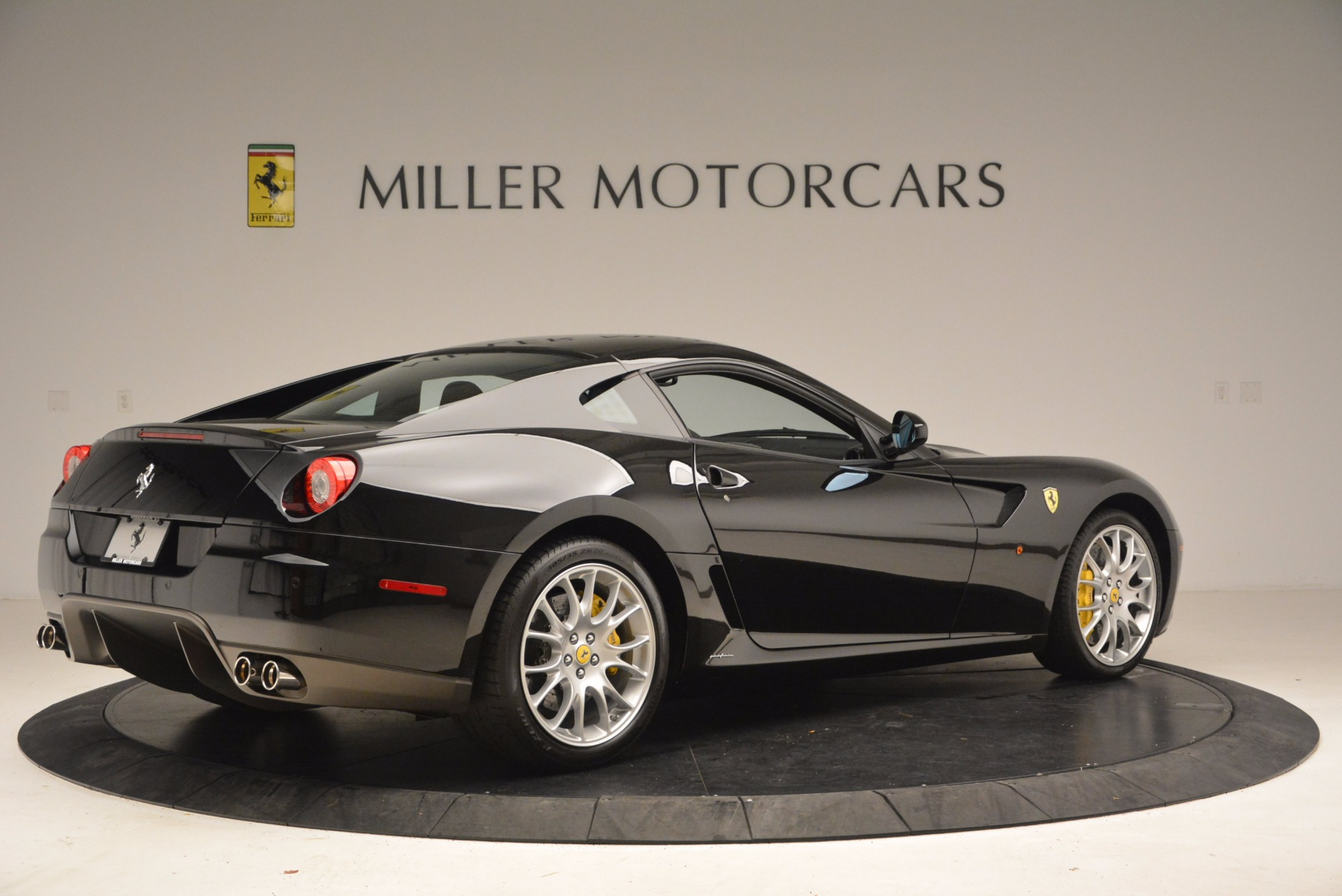 Used 2008 Ferrari 599 GTB Fiorano  For Sale In Westport, CT 1663_p8