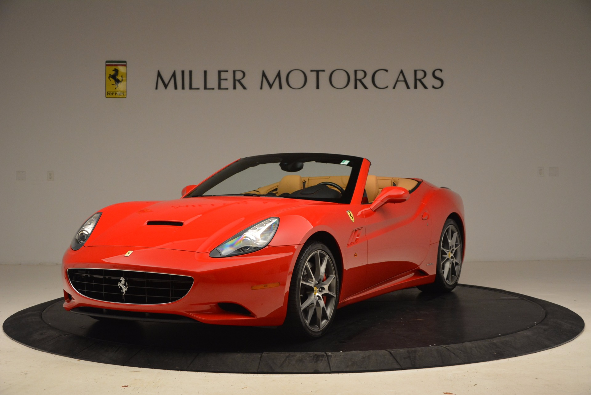 Used 2010 Ferrari California  For Sale In Westport, CT 1665_main