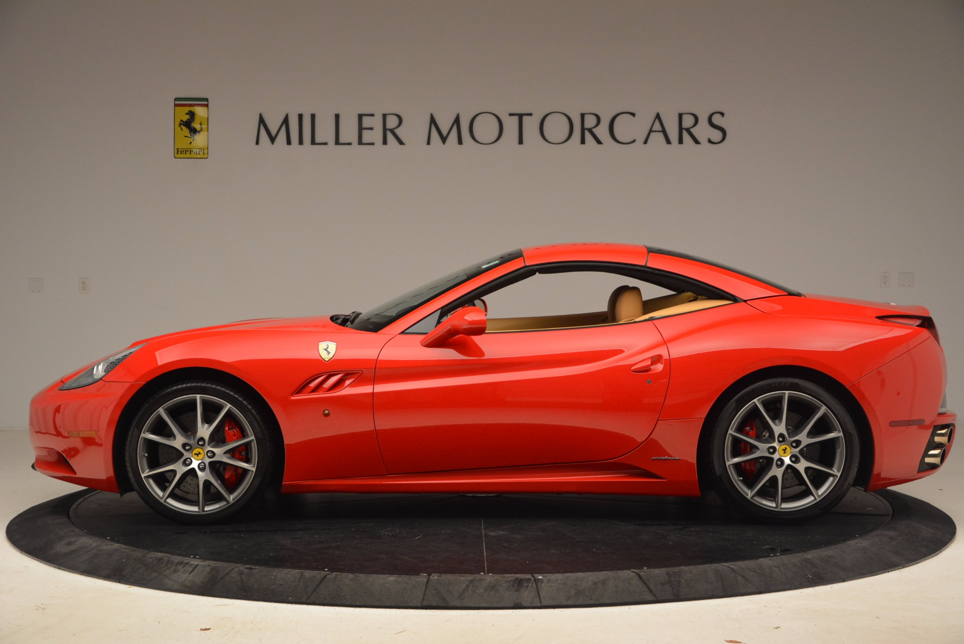 Used 2010 Ferrari California  For Sale In Westport, CT 1665_p15