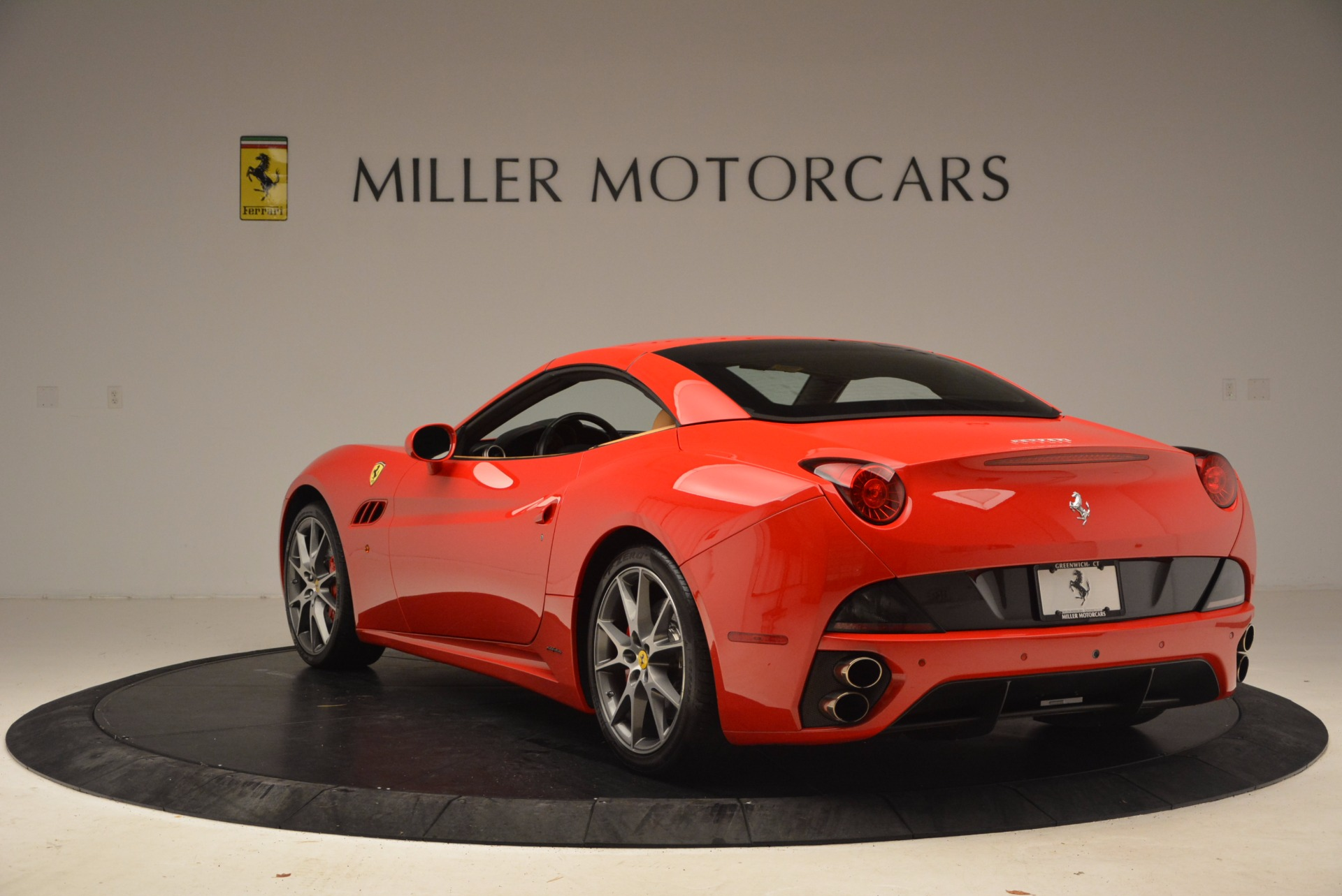 Used 2010 Ferrari California  For Sale In Westport, CT 1665_p17