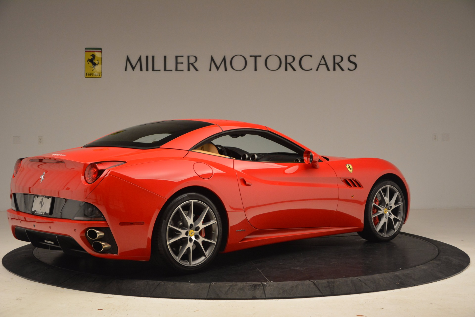 Used 2010 Ferrari California  For Sale In Westport, CT 1665_p20