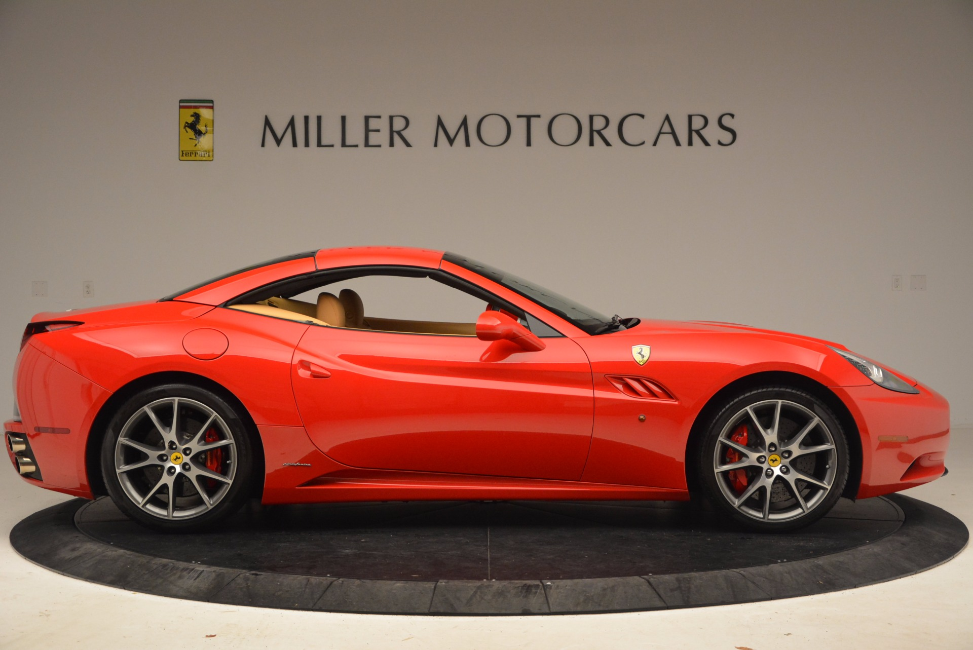Used 2010 Ferrari California  For Sale In Westport, CT 1665_p21