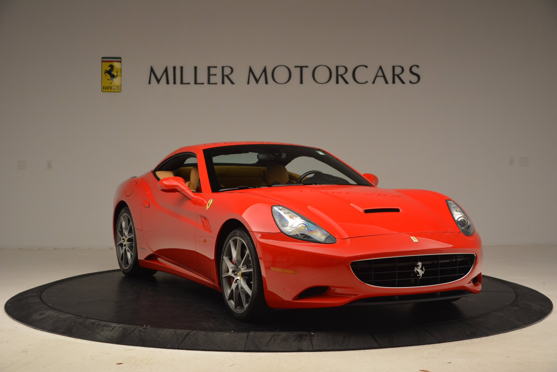 Used 2010 Ferrari California  For Sale In Westport, CT 1665_p23