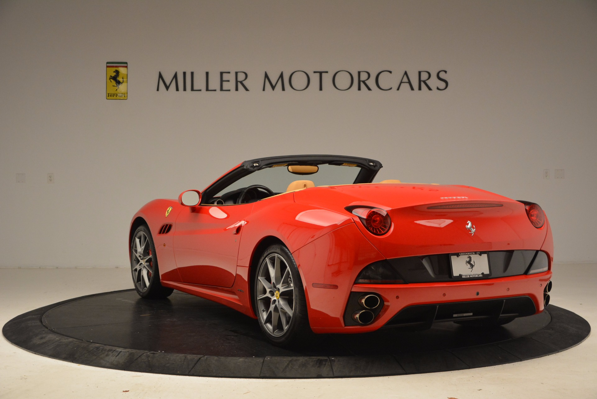 Used 2010 Ferrari California  For Sale In Westport, CT 1665_p5