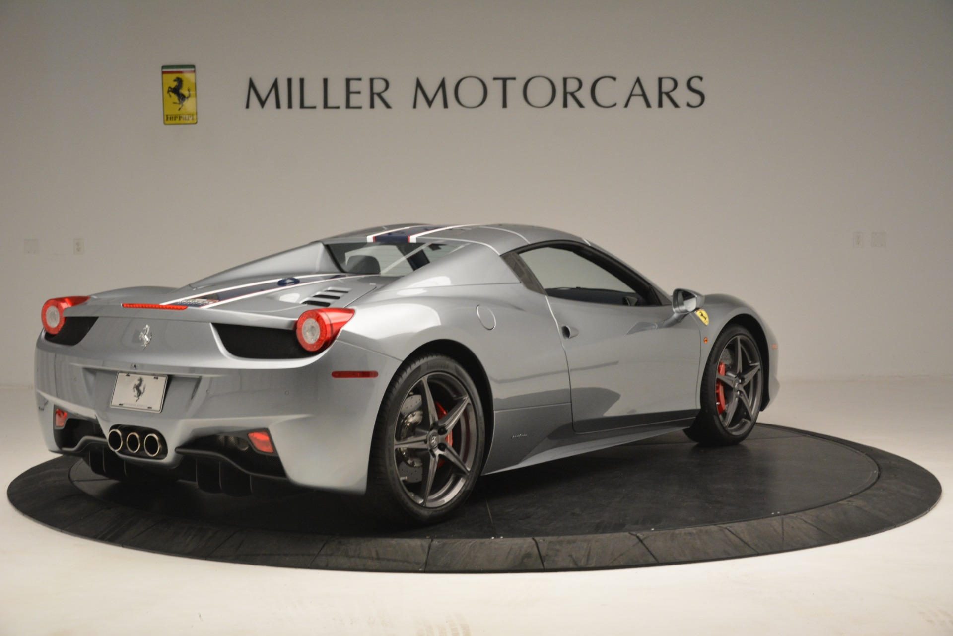 Used 2015 Ferrari 458 Spider  For Sale In Westport, CT 1667_p16