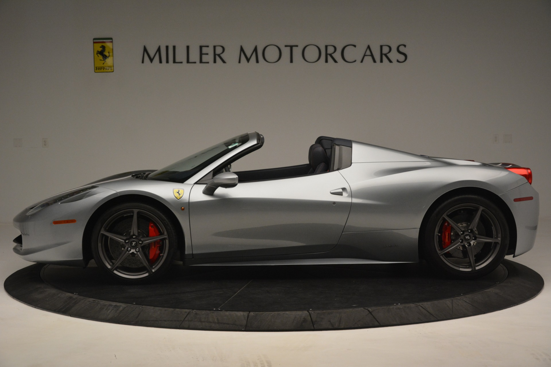Used 2015 Ferrari 458 Spider  For Sale In Westport, CT 1667_p3