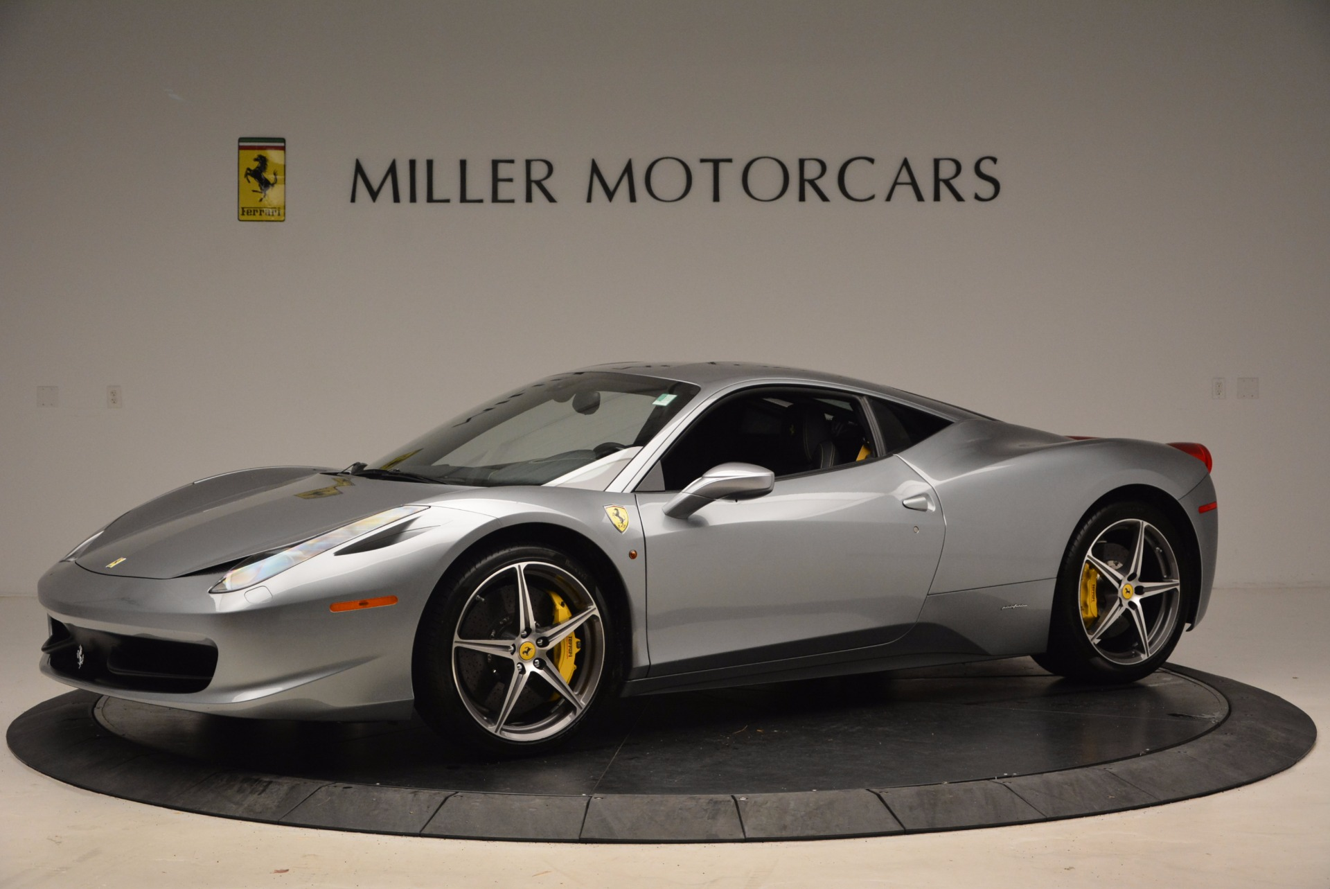Used 2014 Ferrari 458 Italia  For Sale In Westport, CT 1669_p2