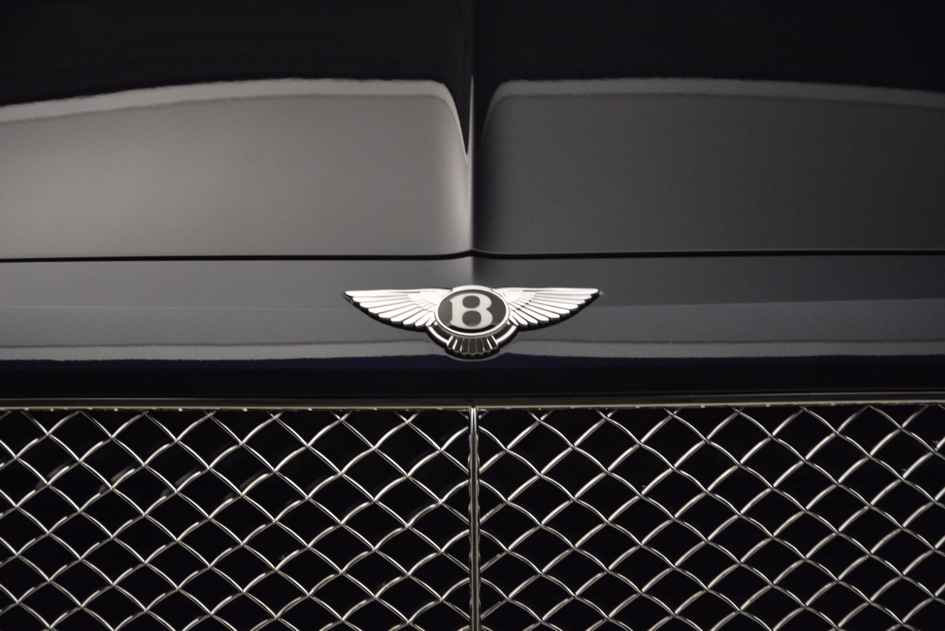 New 2018 Bentley Bentayga Signature For Sale In Westport, CT 1675_p14