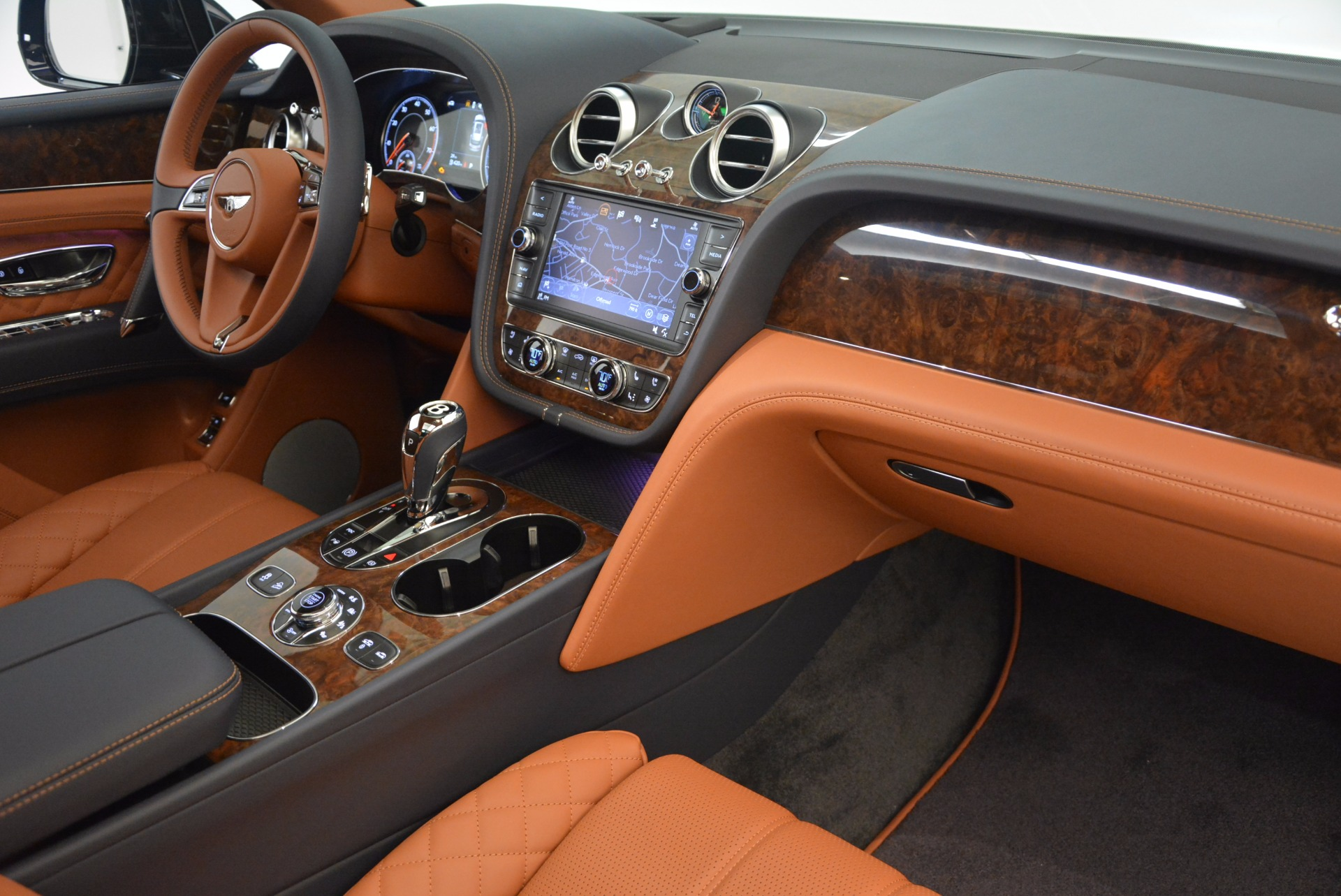 New 2018 Bentley Bentayga Signature For Sale In Westport, CT 1675_p40