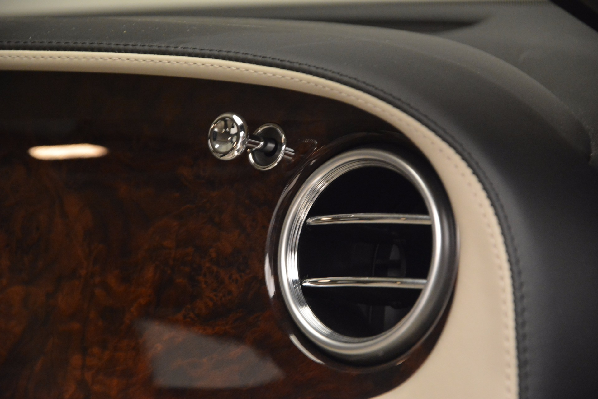 Used 2005 Bentley Continental GT W12 For Sale In Westport, CT 1677_p32