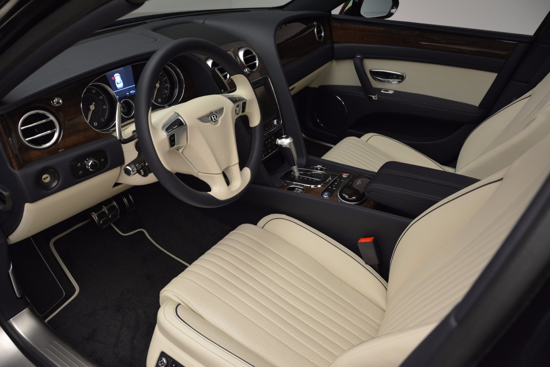 New 2017 Bentley Flying Spur V8 For Sale In Westport, CT 1713_p17