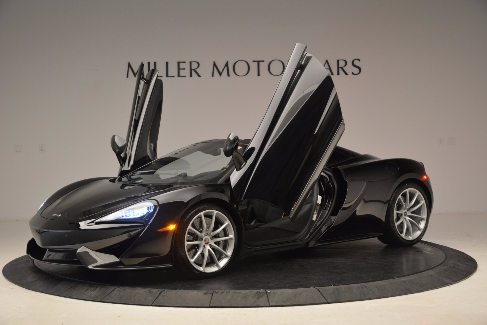 Used 2018 McLaren 570S Spider For Sale In Westport, CT 1716_p22