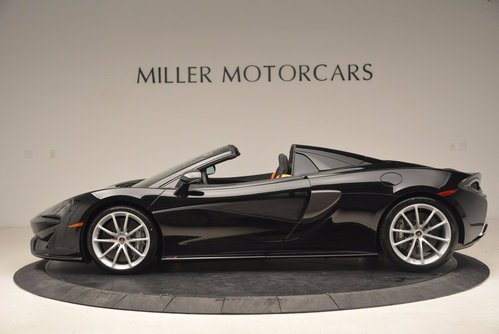 Used 2018 McLaren 570S Spider For Sale In Westport, CT 1716_p3
