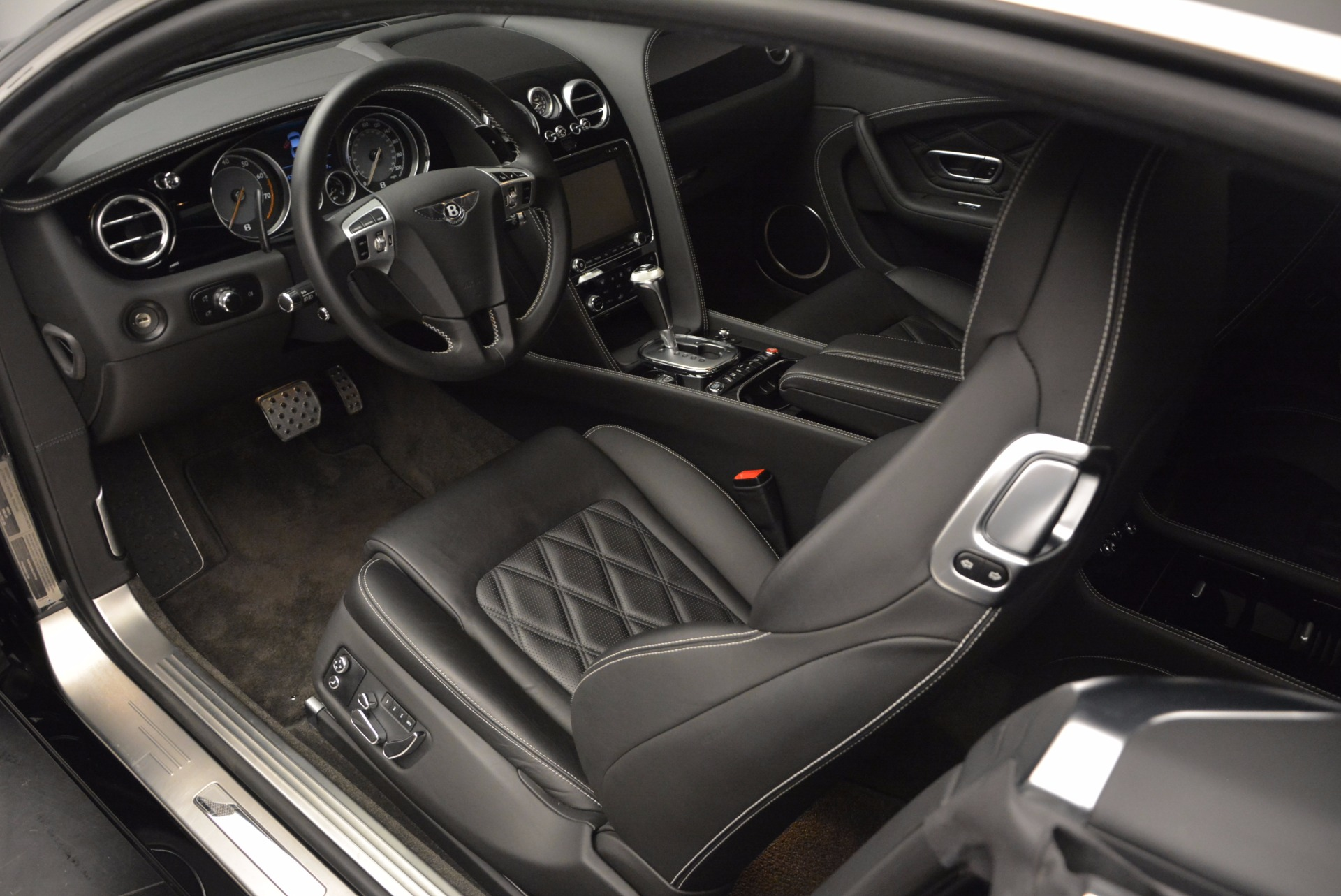 Used 2012 Bentley Continental GT W12 For Sale In Westport, CT 1717_p15