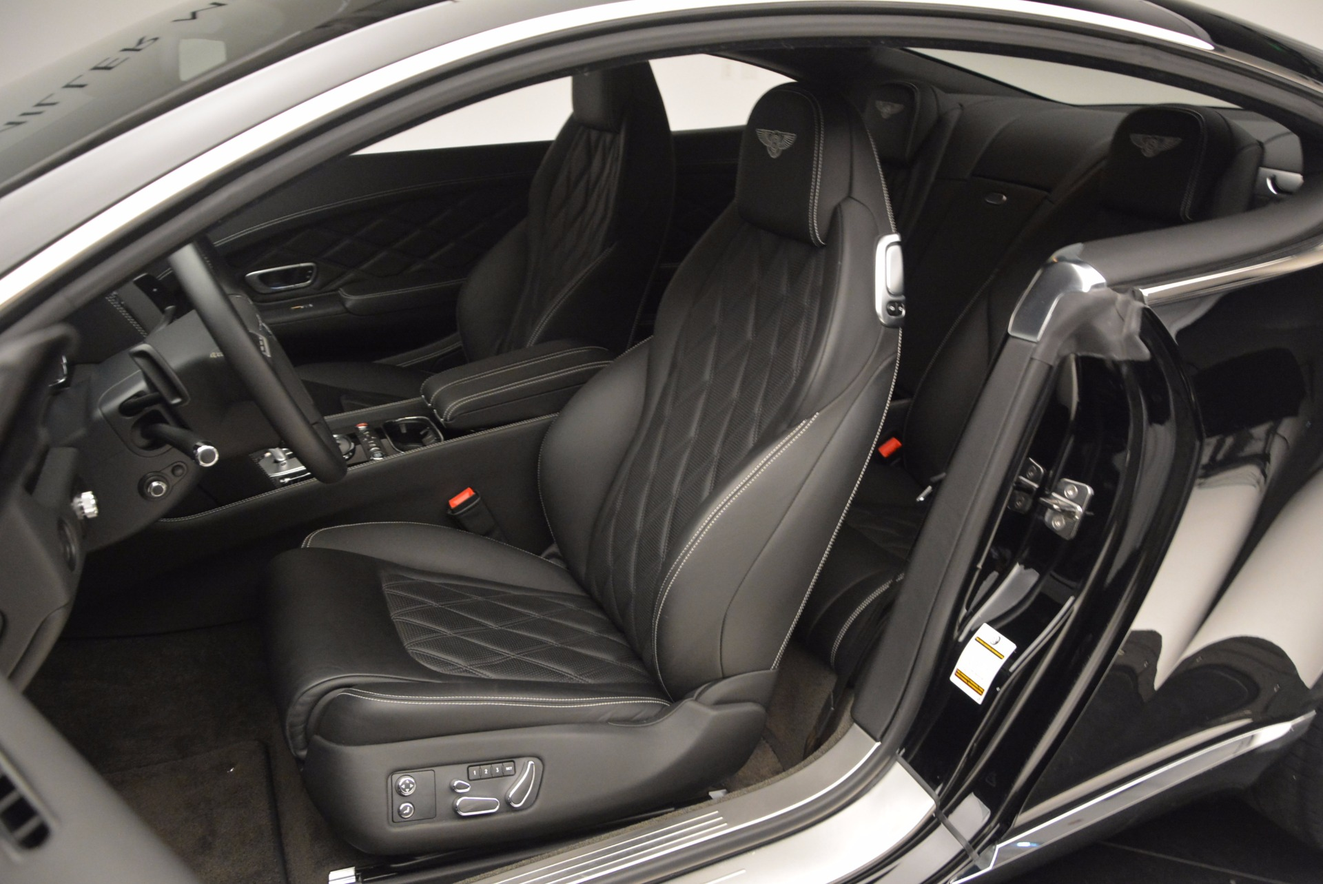 Used 2012 Bentley Continental GT W12 For Sale In Westport, CT 1717_p17