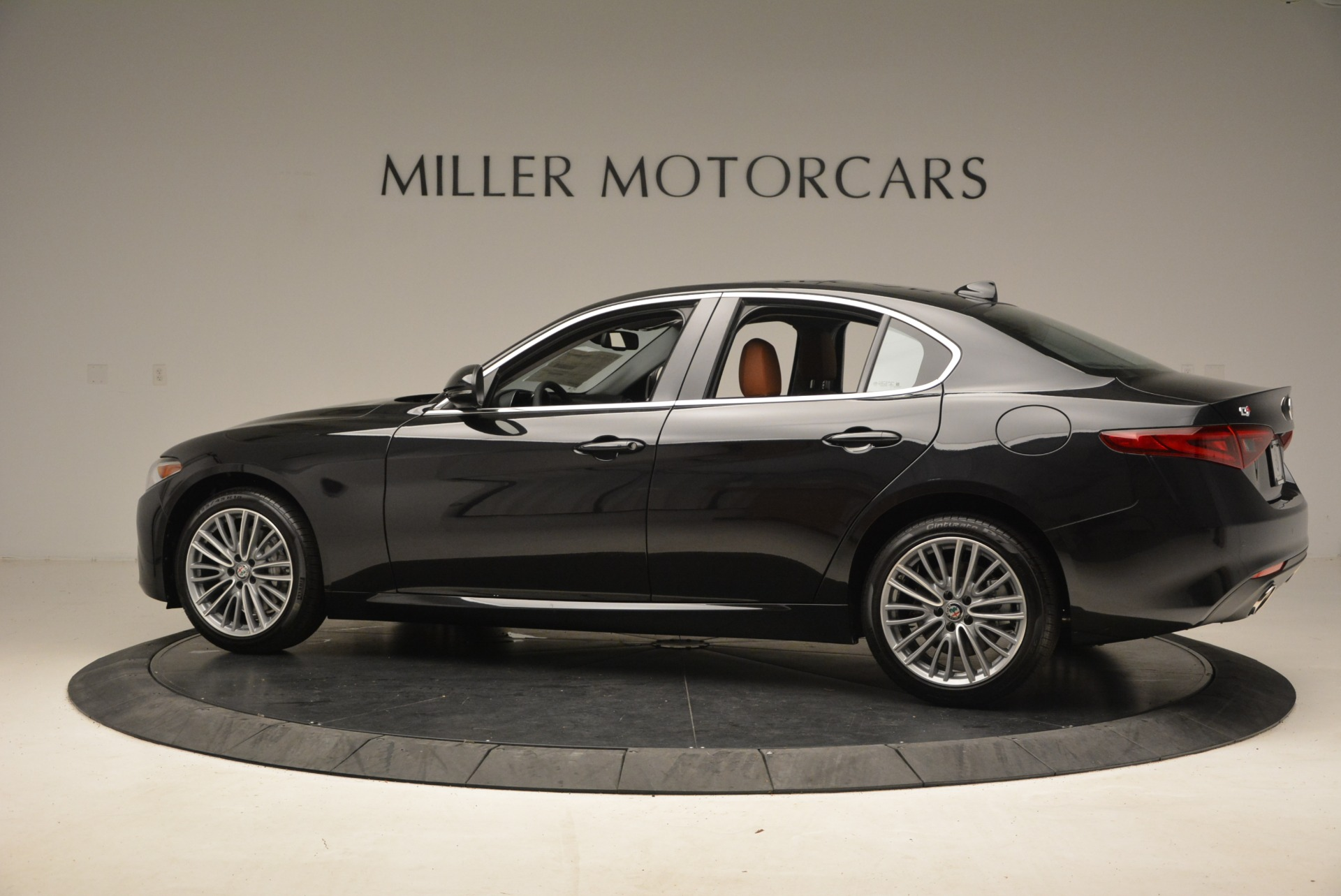 New 2018 Alfa Romeo Giulia Ti Lusso Q4 For Sale In Westport, CT 1721_p5