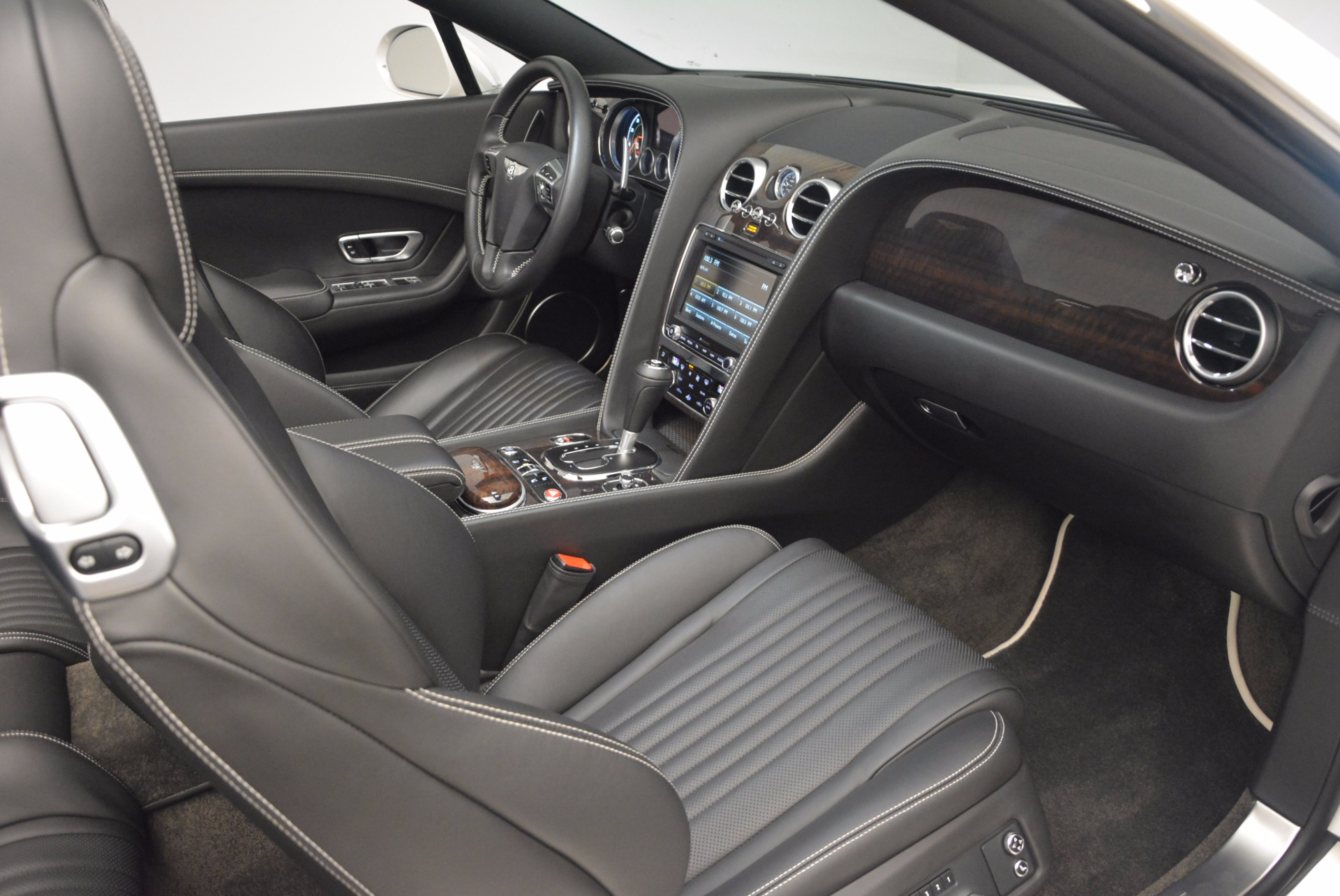 Used 2016 Bentley Continental GT V8 For Sale In Westport, CT 1728_p44