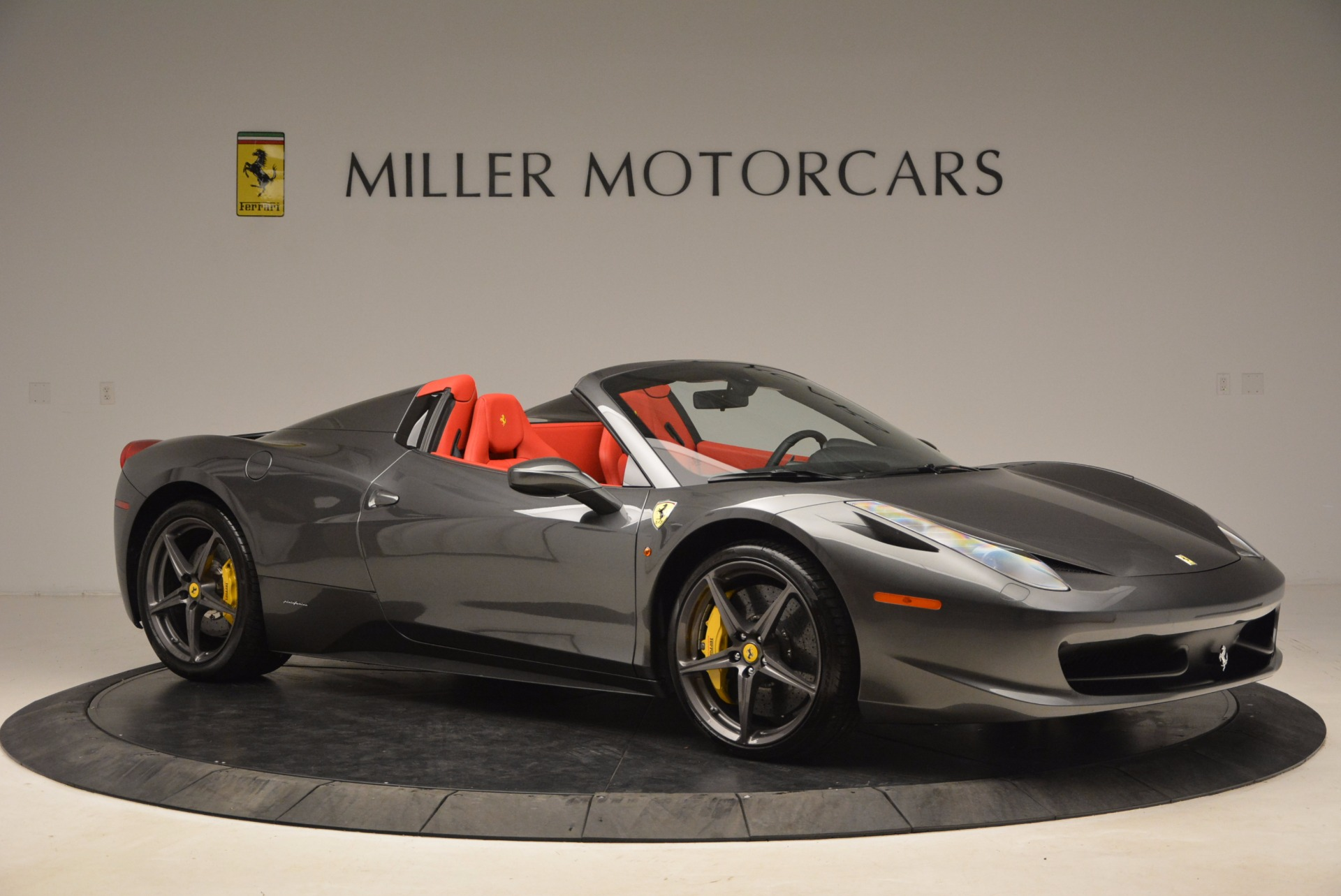 Used 2014 Ferrari 458 Spider  For Sale In Westport, CT 1734_p10