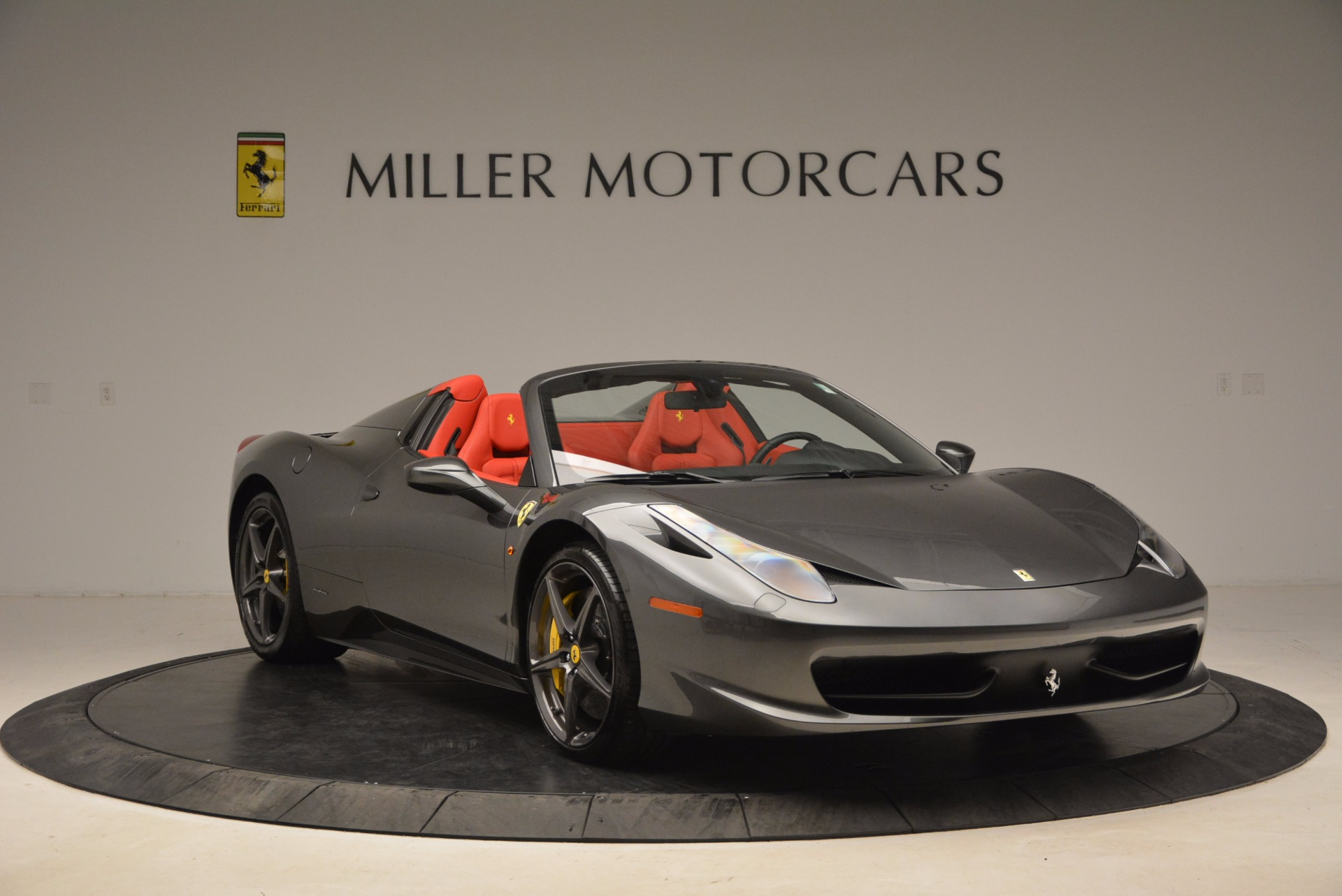 Used 2014 Ferrari 458 Spider  For Sale In Westport, CT 1734_p11