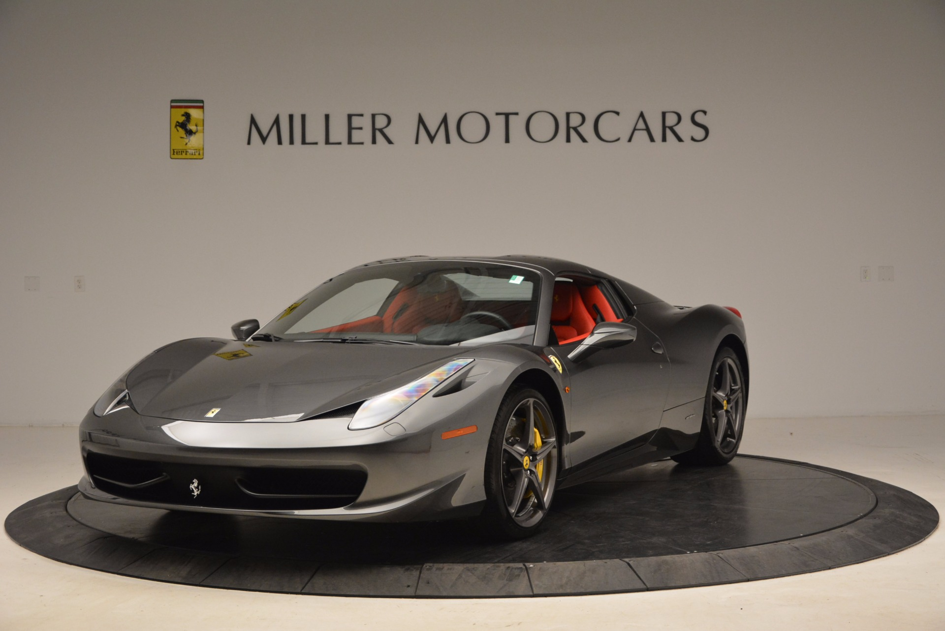 Used 2014 Ferrari 458 Spider  For Sale In Westport, CT 1734_p13