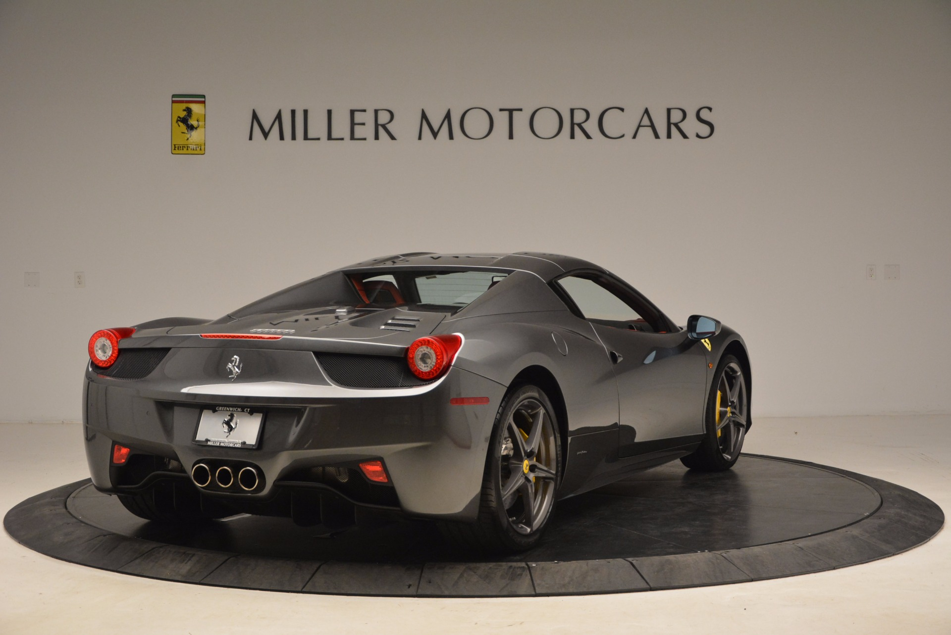 Used 2014 Ferrari 458 Spider  For Sale In Westport, CT 1734_p19