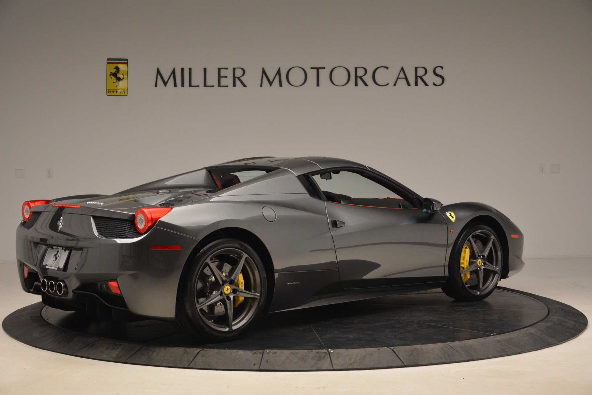 Used 2014 Ferrari 458 Spider  For Sale In Westport, CT 1734_p20