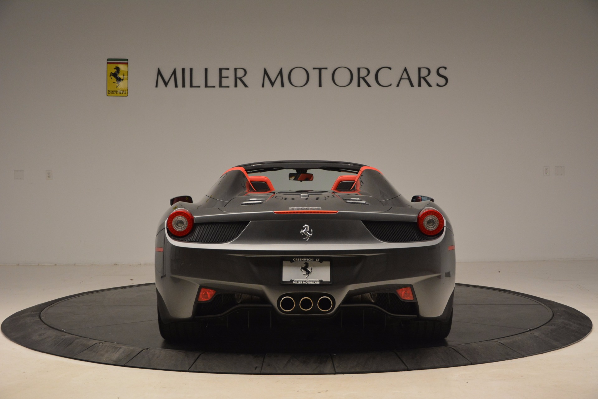 Used 2014 Ferrari 458 Spider  For Sale In Westport, CT 1734_p6