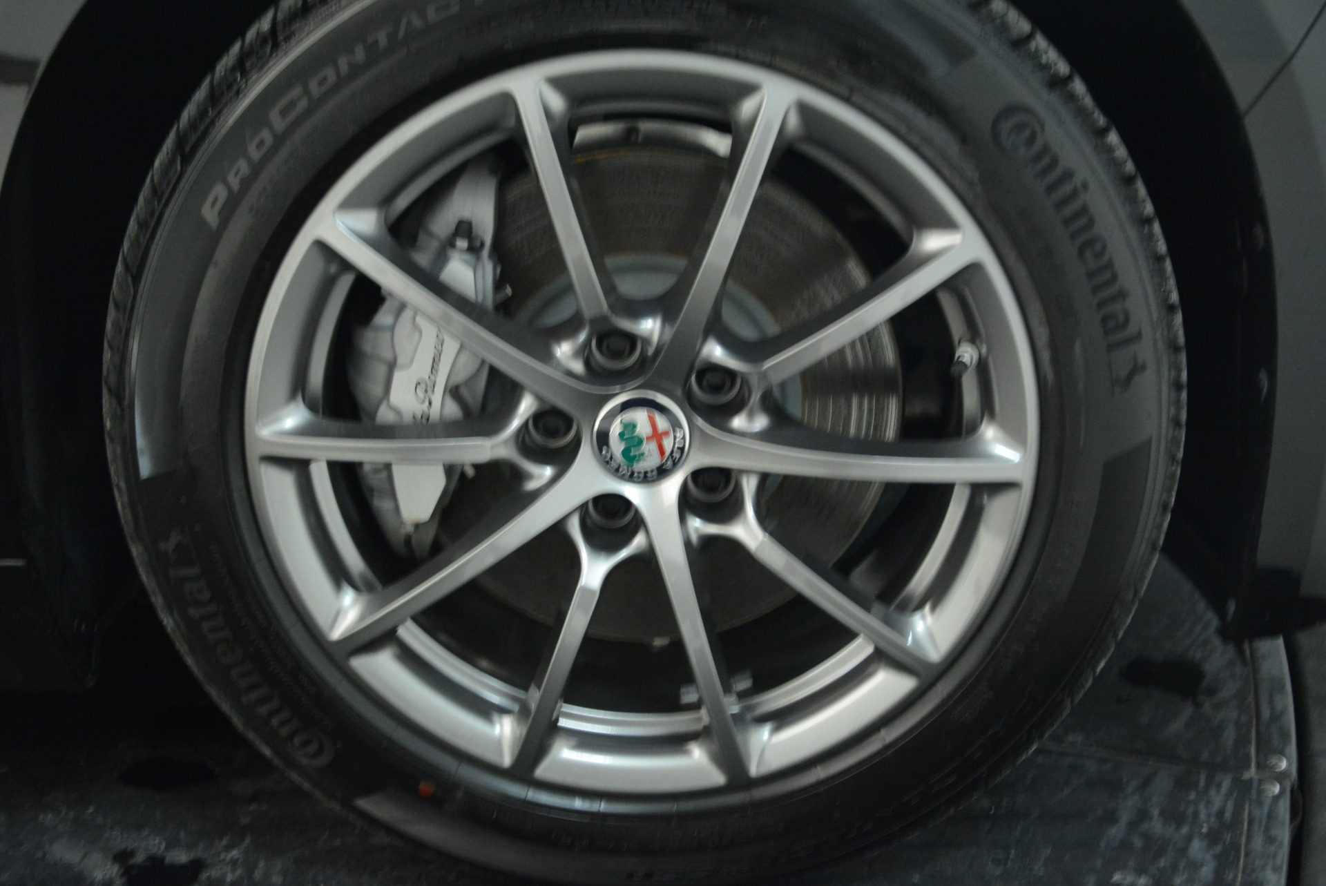 New 2018 Alfa Romeo Giulia Q4 For Sale In Westport, CT 1762_p25