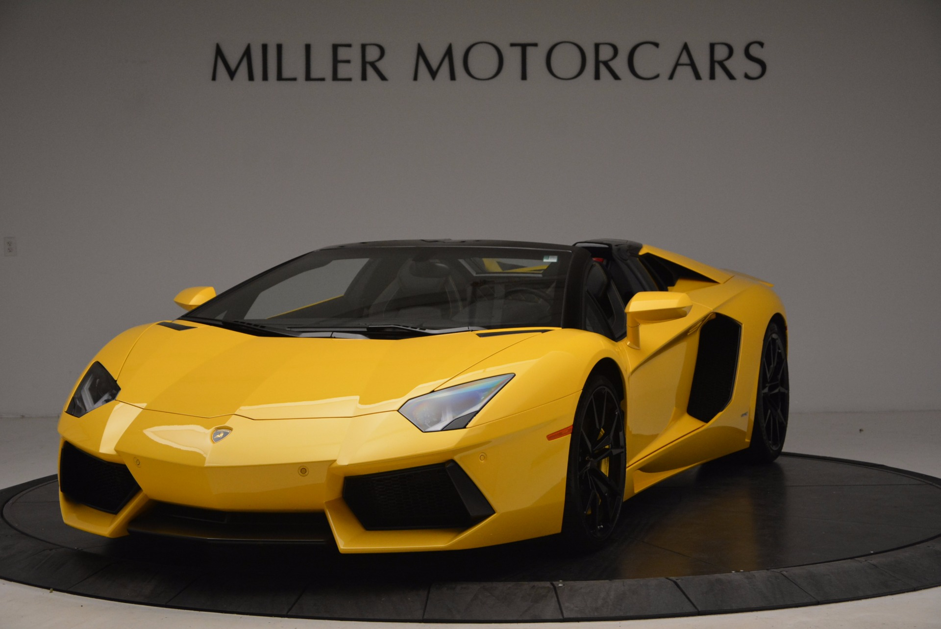 Used 2015 Lamborghini Aventador LP 700-4 Roadster For Sale In Westport, CT 1774_main