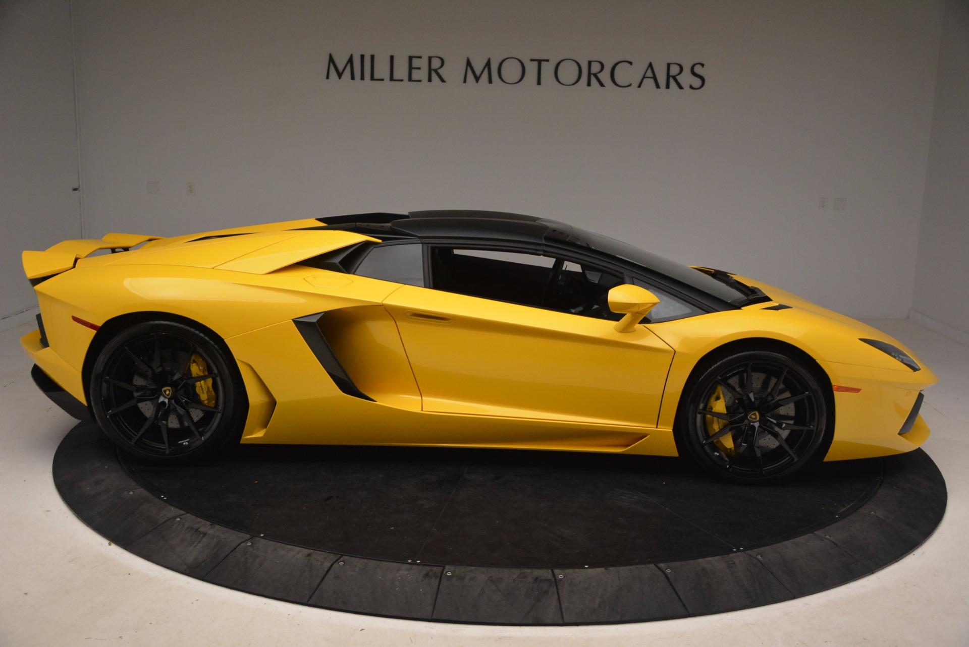 Used 2015 Lamborghini Aventador LP 700-4 Roadster For Sale In Westport, CT 1774_p28