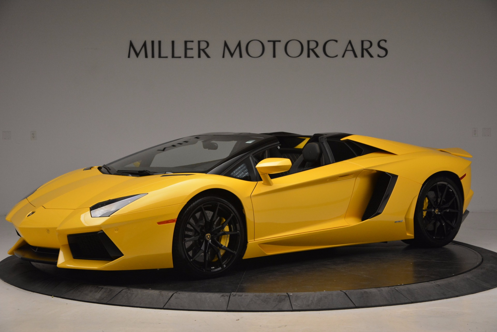 Used 2015 Lamborghini Aventador LP 700-4 Roadster For Sale In Westport, CT 1774_p2