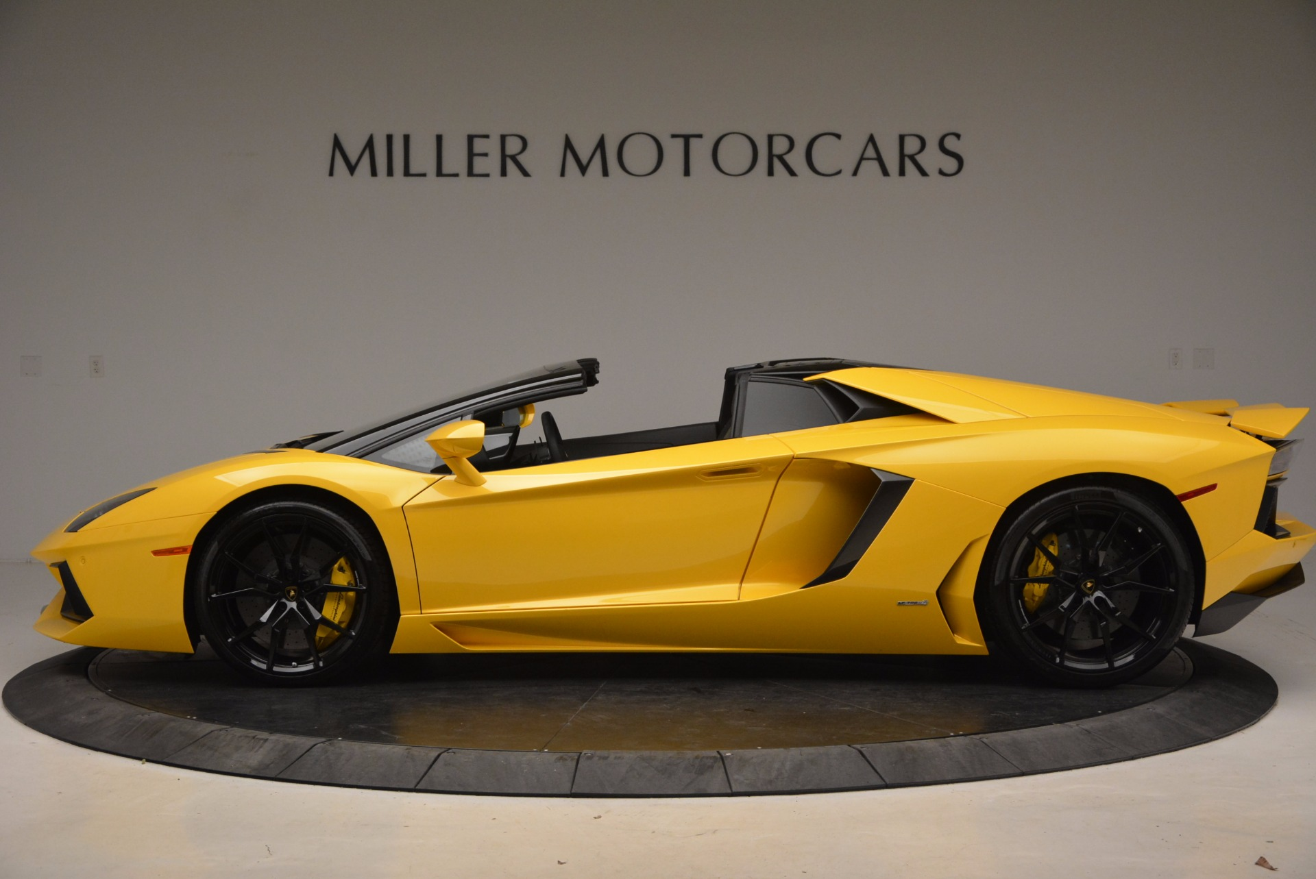 Used 2015 Lamborghini Aventador LP 700-4 Roadster For Sale In Westport, CT 1774_p3