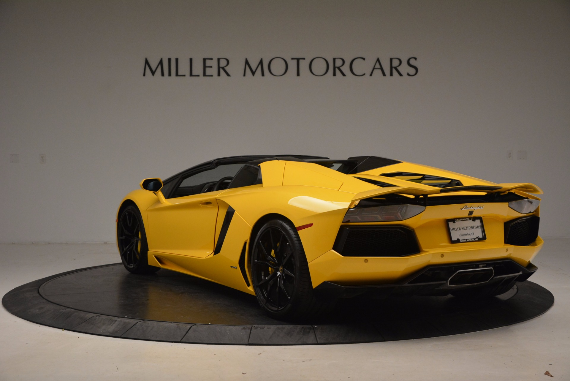 Used 2015 Lamborghini Aventador LP 700-4 Roadster For Sale In Westport, CT 1774_p5