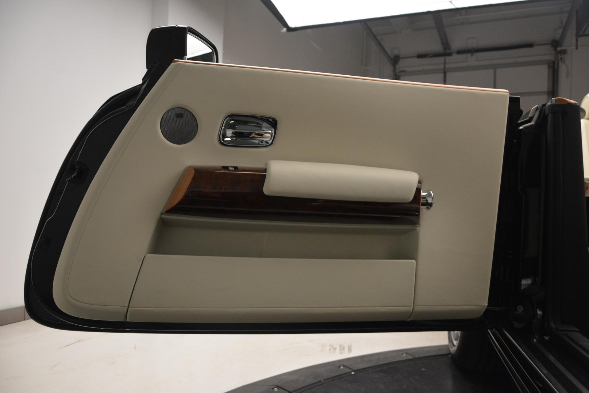 Used 2009 Rolls-Royce Phantom Drophead Coupe  For Sale In Westport, CT 1792_p37