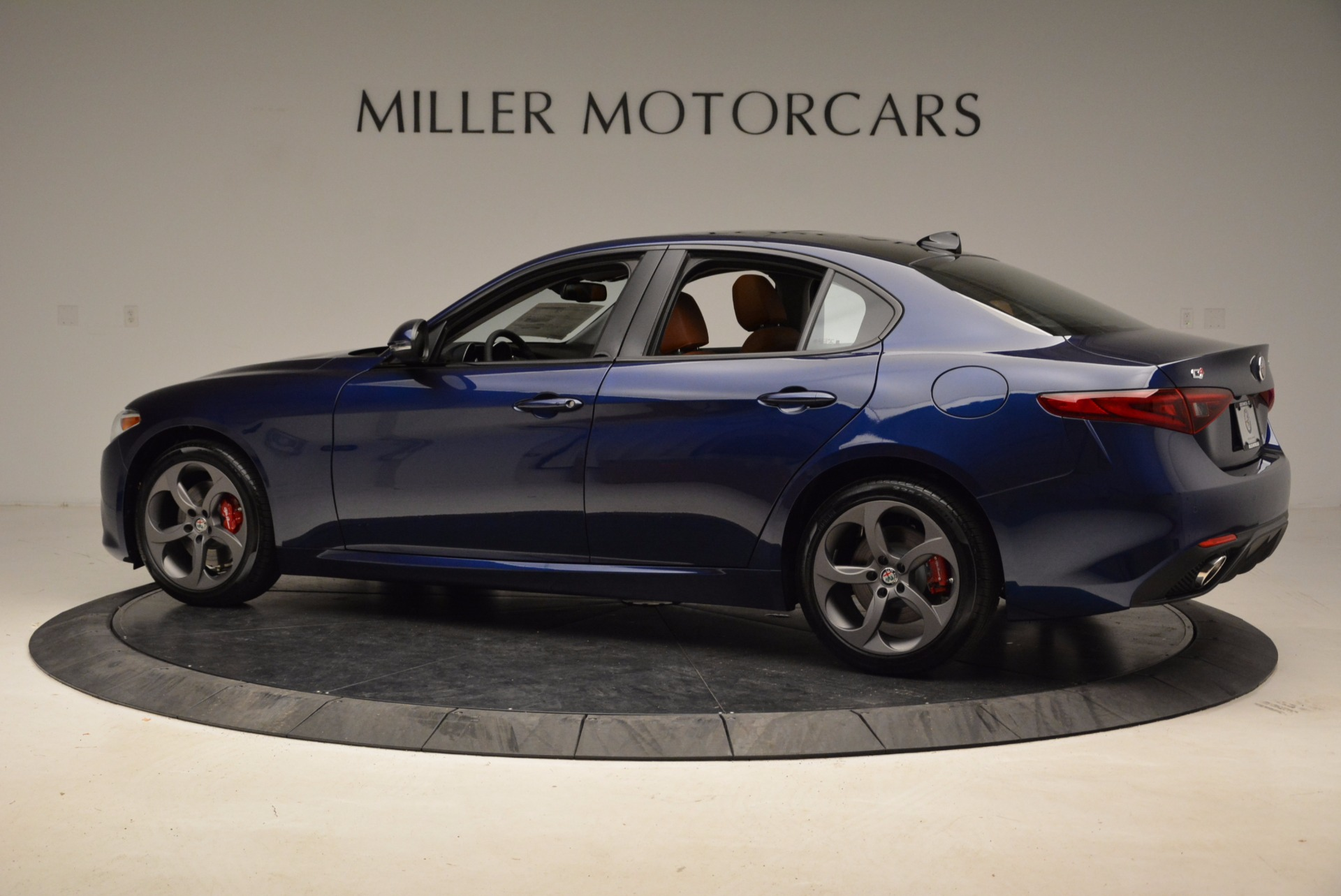 New 2018 Alfa Romeo Giulia Sport Q4 For Sale In Westport, CT 1822_p4