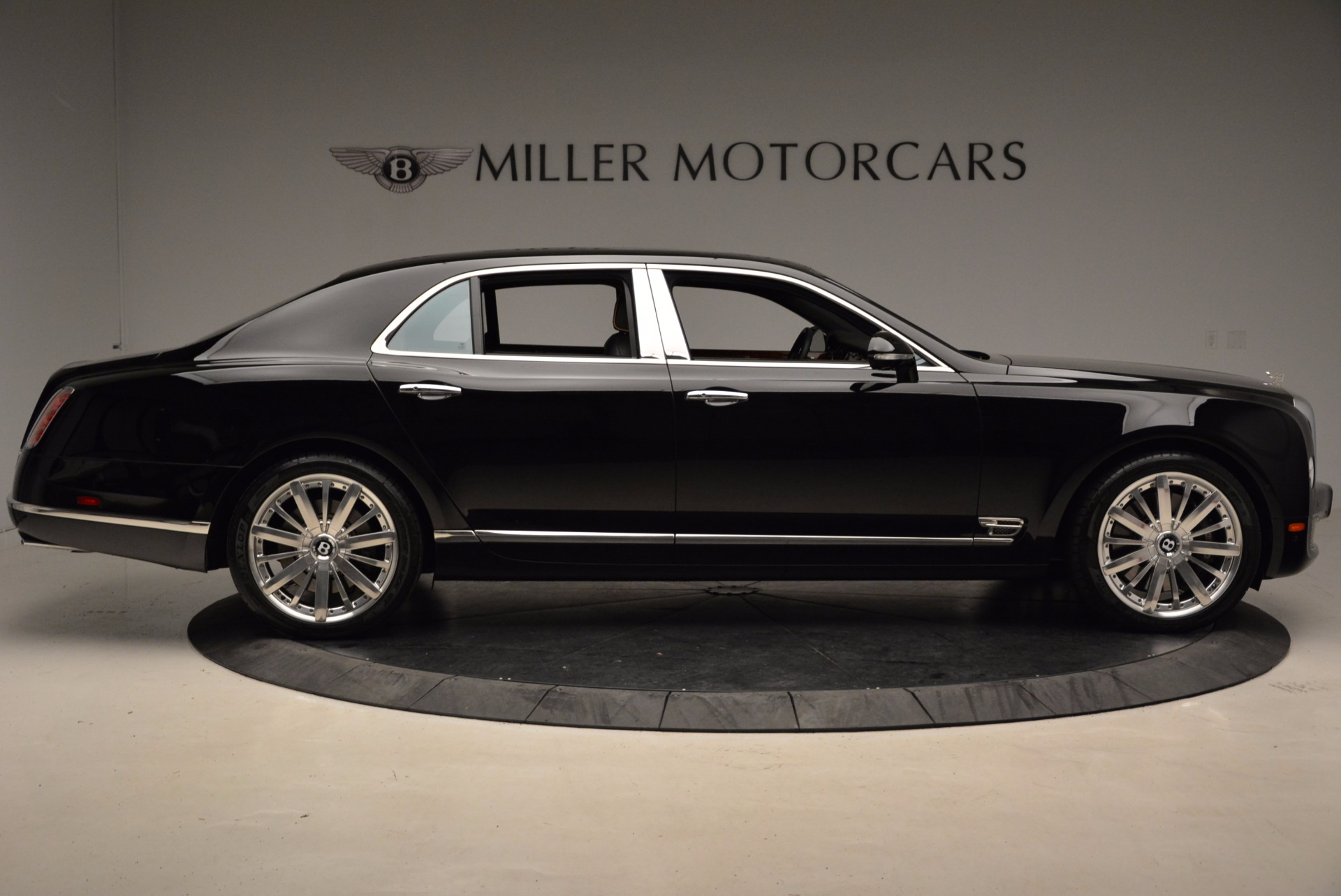 Used 2016 Bentley Mulsanne  For Sale In Westport, CT 1826_p10