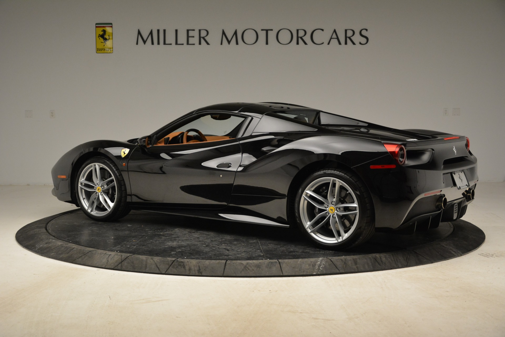 Used 2017 Ferrari 488 Spider  For Sale In Westport, CT 1853_p27