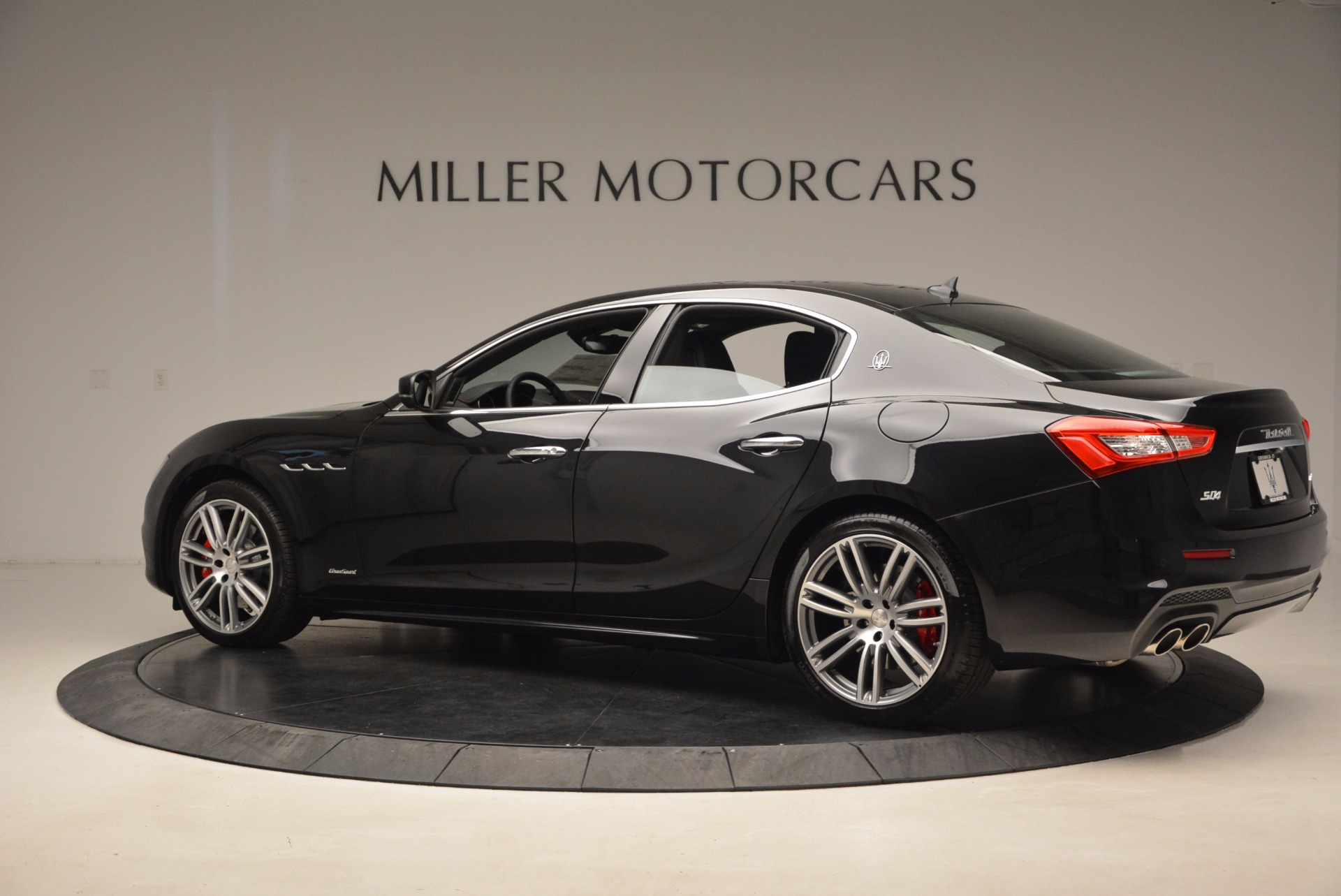 New 2018 Maserati Ghibli S Q4 Gransport For Sale In Westport, CT 1855_p4