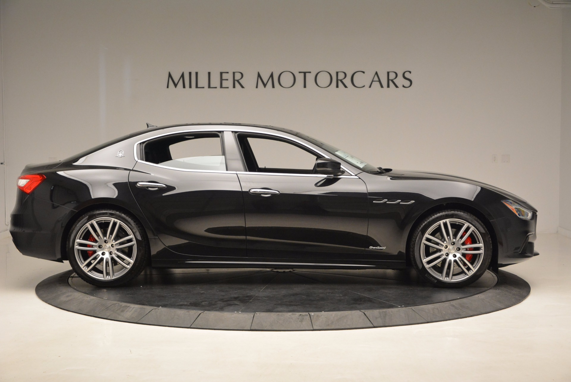 New 2018 Maserati Ghibli S Q4 Gransport For Sale In Westport, CT 1855_p9