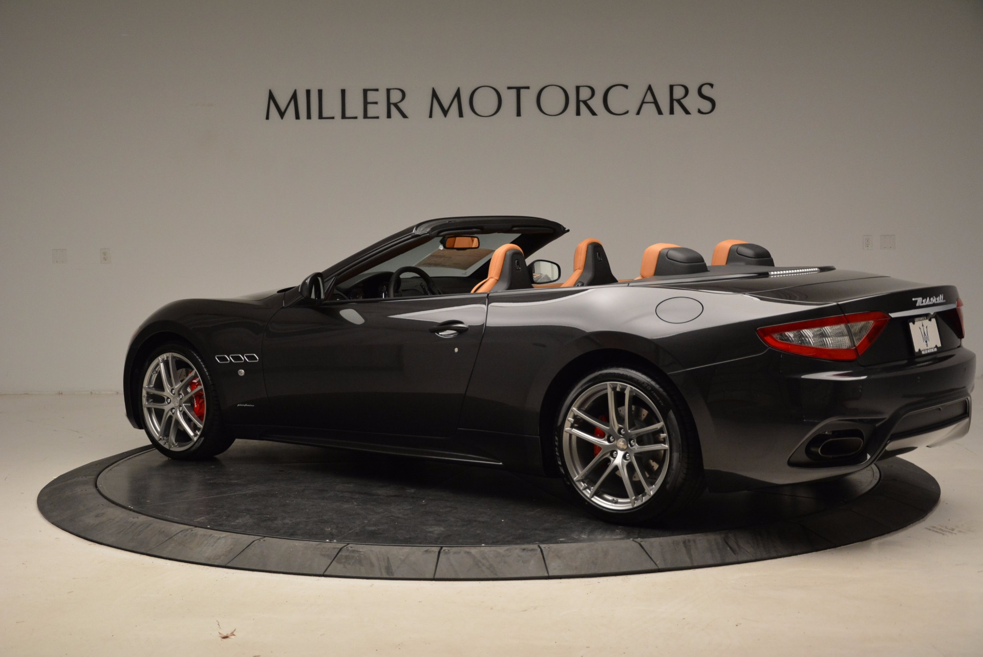 New 2018 Maserati GranTurismo Sport Convertible For Sale In Westport, CT 1869_p16