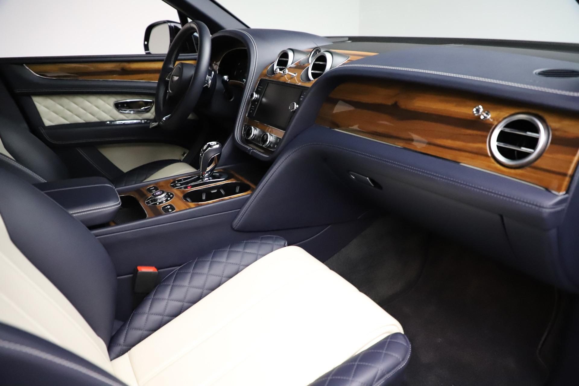 New 2018 Bentley Bentayga Signature For Sale In Westport, CT 1873_p26