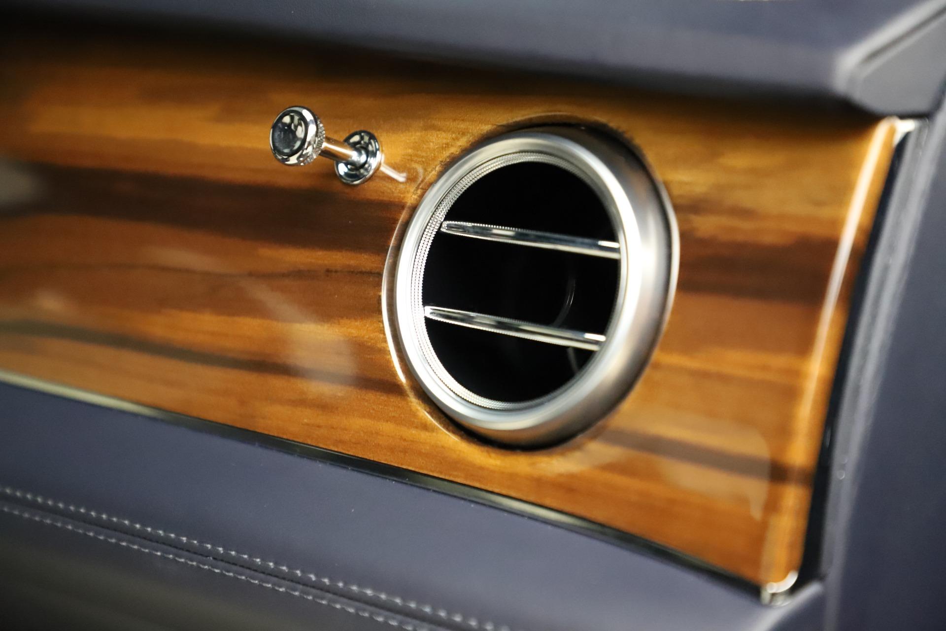 New 2018 Bentley Bentayga Signature For Sale In Westport, CT 1873_p32