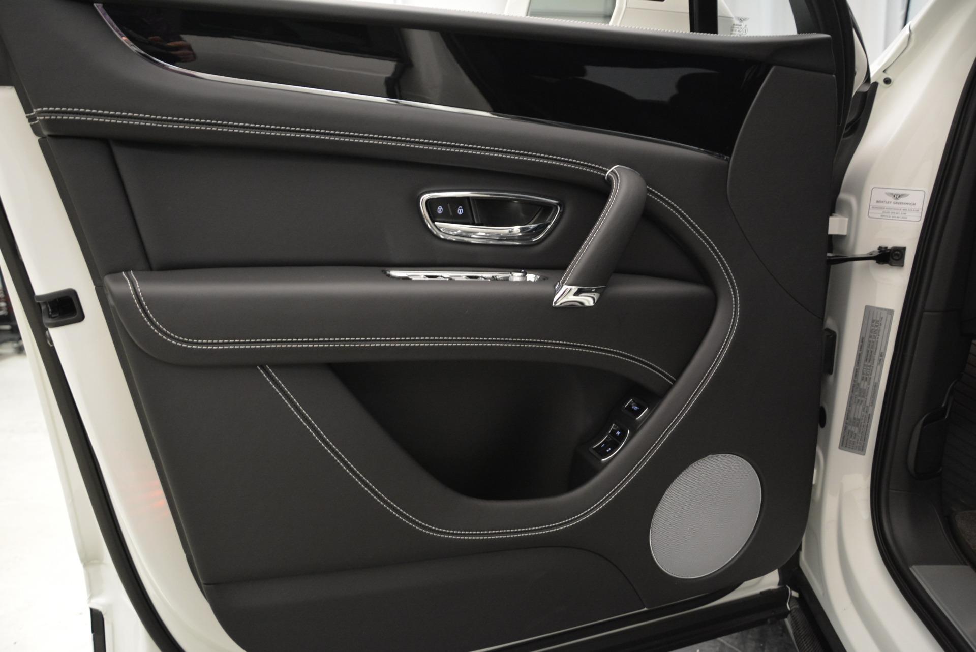New 2018 Bentley Bentayga Black Edition For Sale In Westport, CT 1874_p27