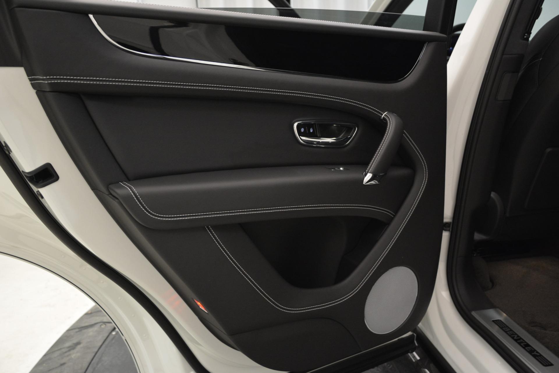 New 2018 Bentley Bentayga Black Edition For Sale In Westport, CT 1874_p32
