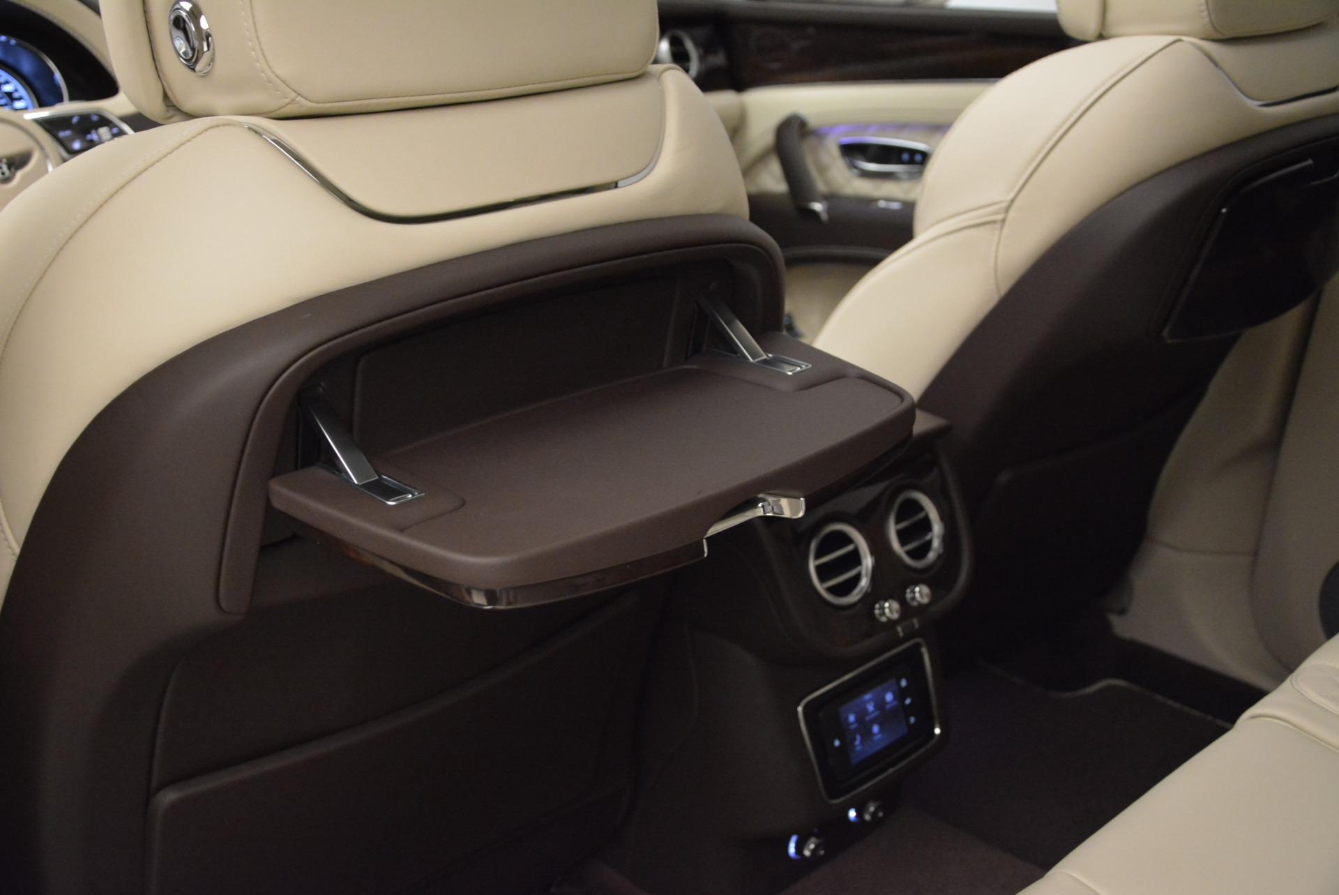 New 2018 Bentley Bentayga Signature For Sale In Westport, CT 1876_p23
