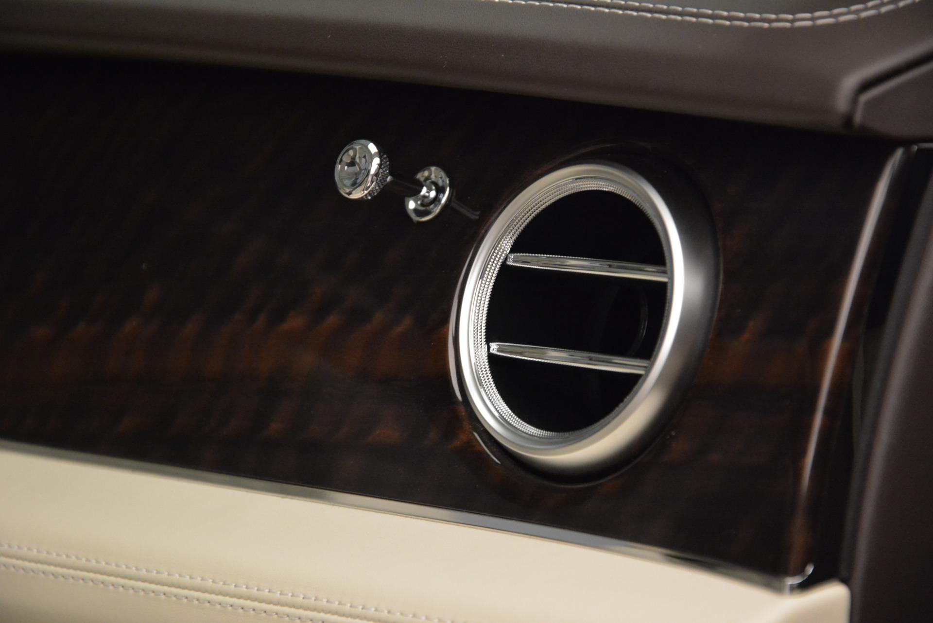 New 2018 Bentley Bentayga Signature For Sale In Westport, CT 1876_p30