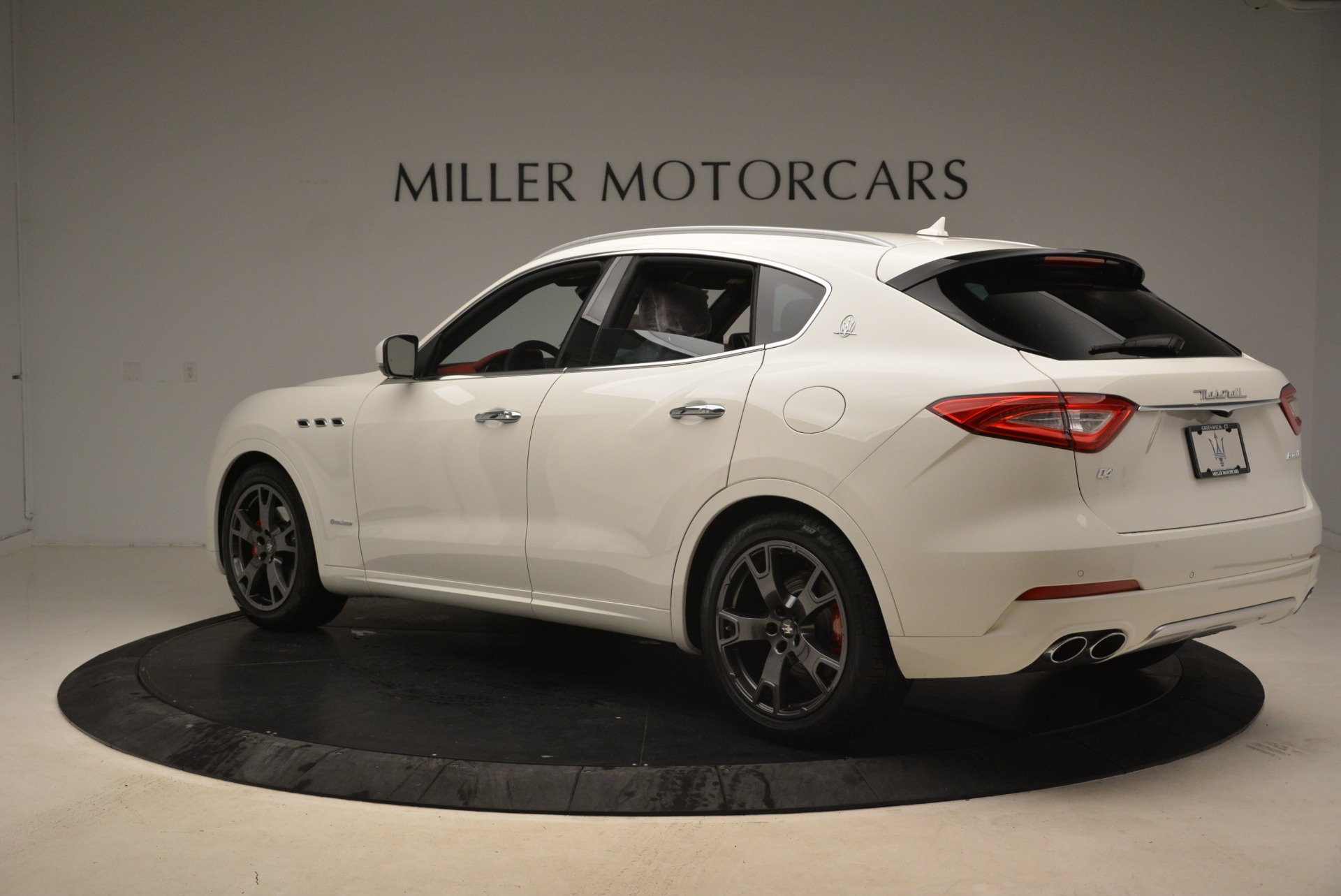 New 2018 Maserati Levante Q4 GranLusso For Sale In Westport, CT 1889_p5