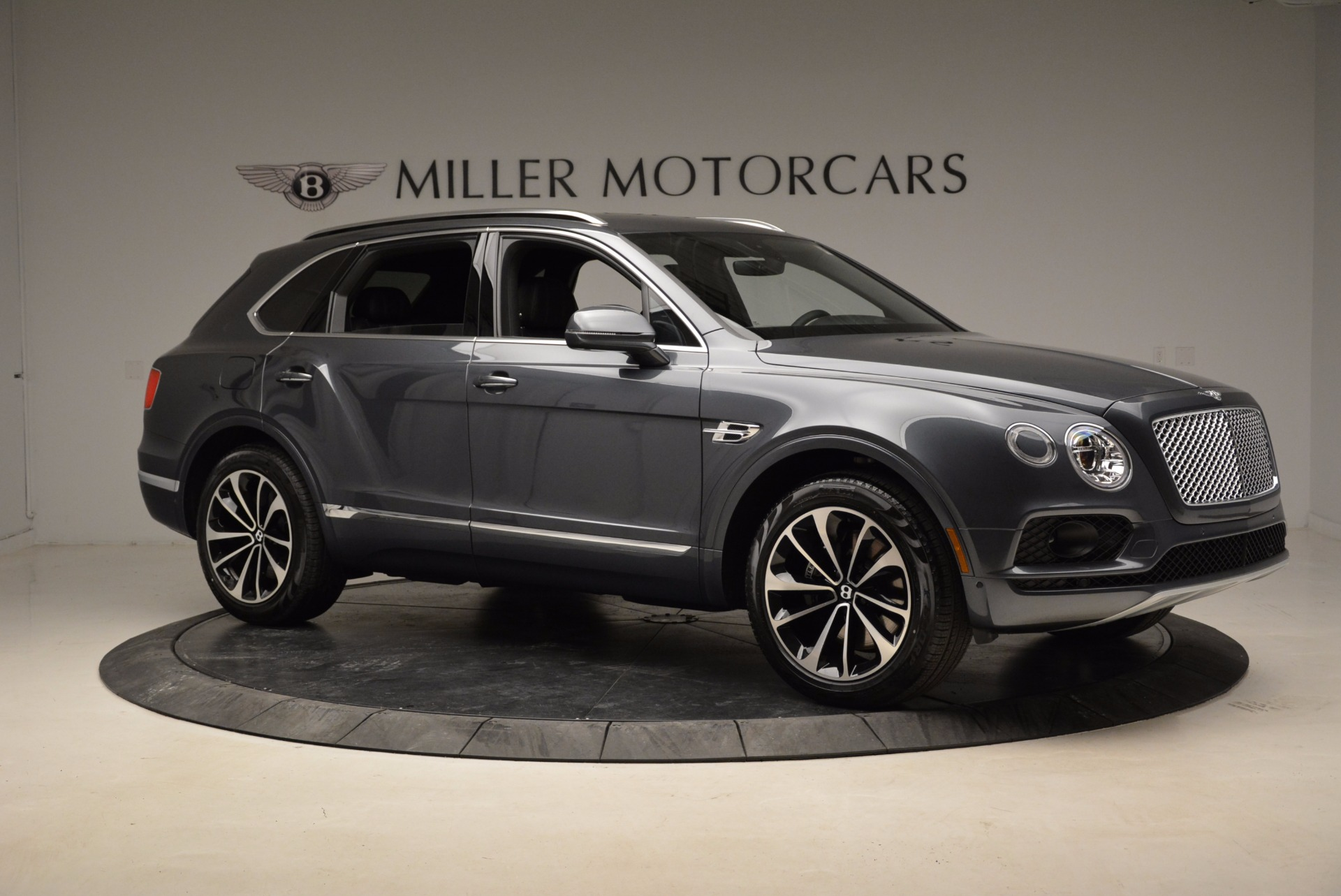 Used 2018 Bentley Bentayga W12 Signature For Sale In Westport, CT 1903_p10
